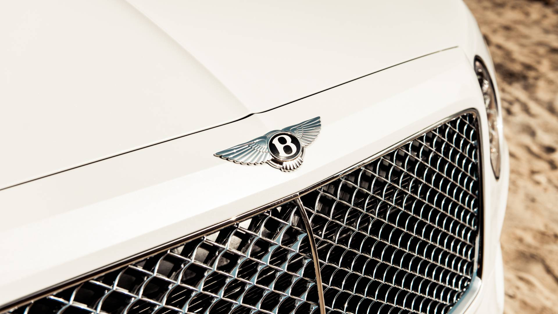 bentley-bentayga-pearl-of-the-gulf-by-mulliner-3.jpg