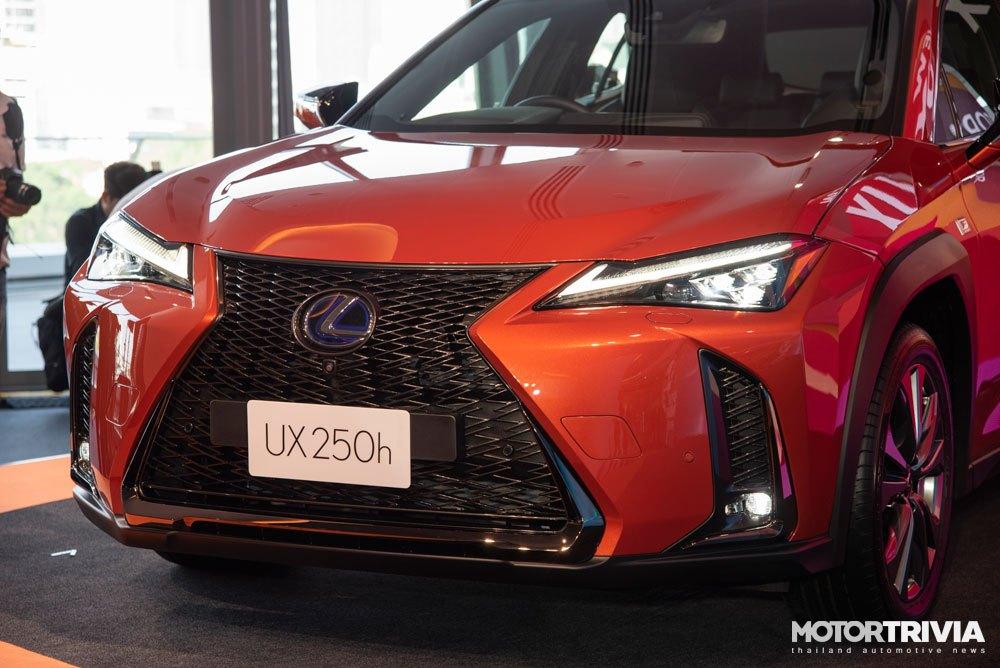 10-lexus-ux-2019-launches-in-thailand.jpg