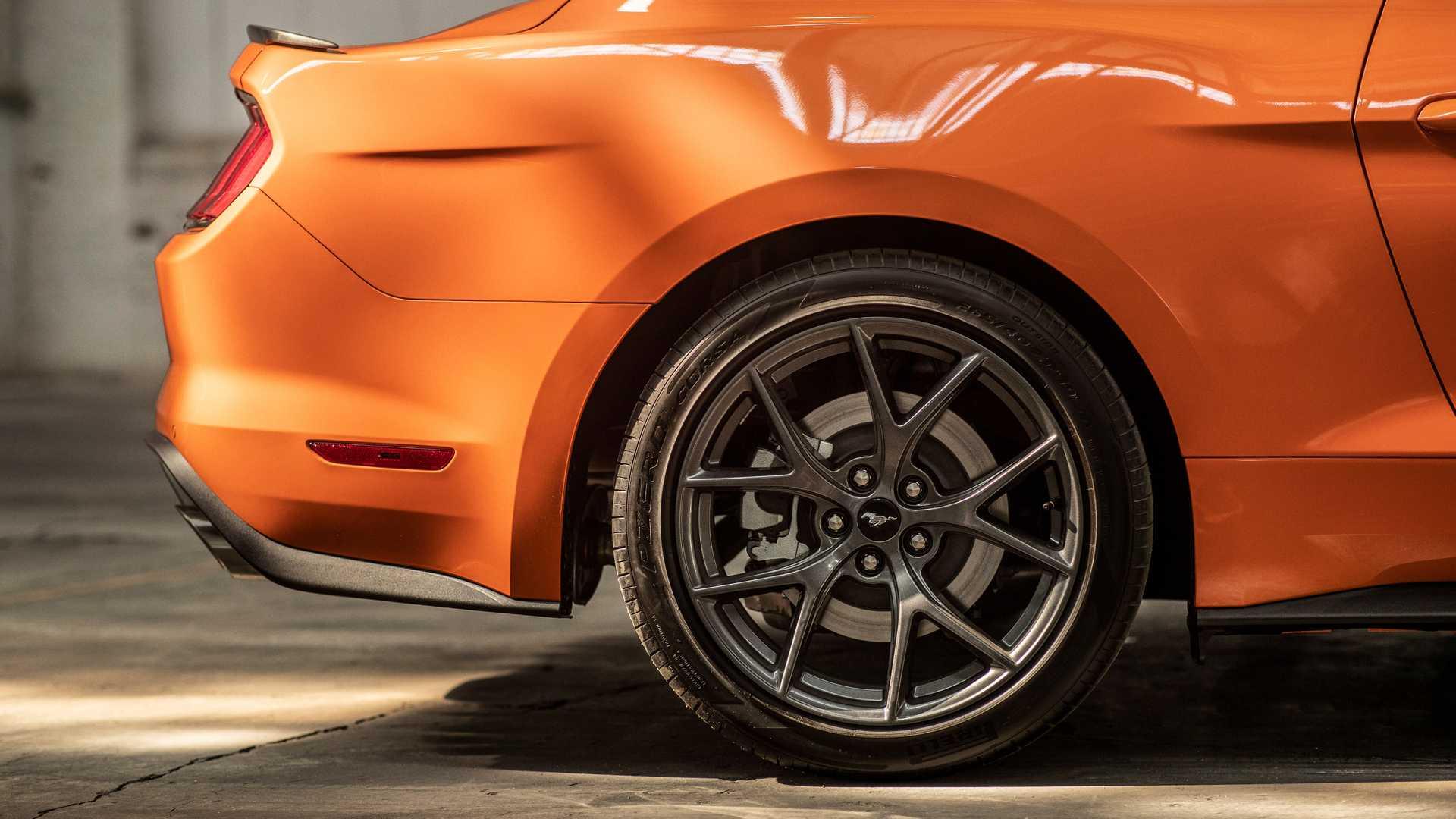 2020-ford-mustang-high-perf-package-6.jpg