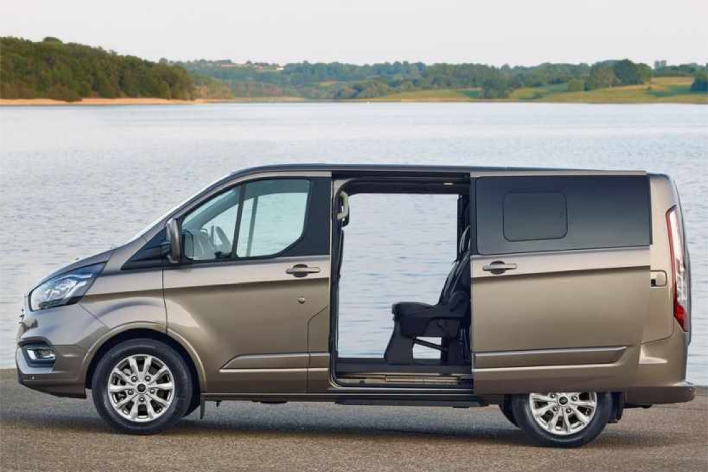 2019-ford-tourneo-custom-price.jpg