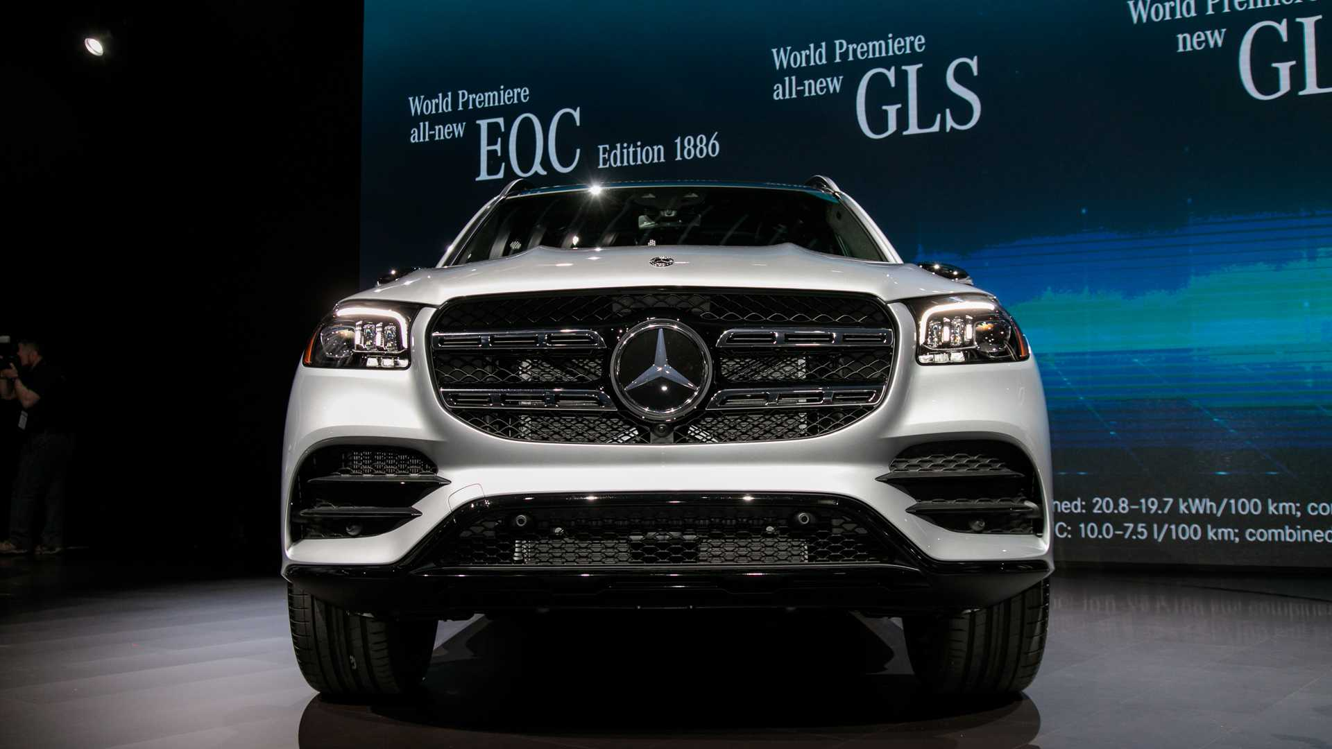 2020-mercedes-bens-gls-class-4.jpg