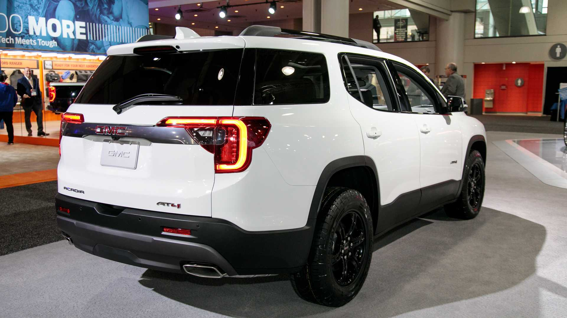 2020-gmc-acadia-live-photos-20.jpg