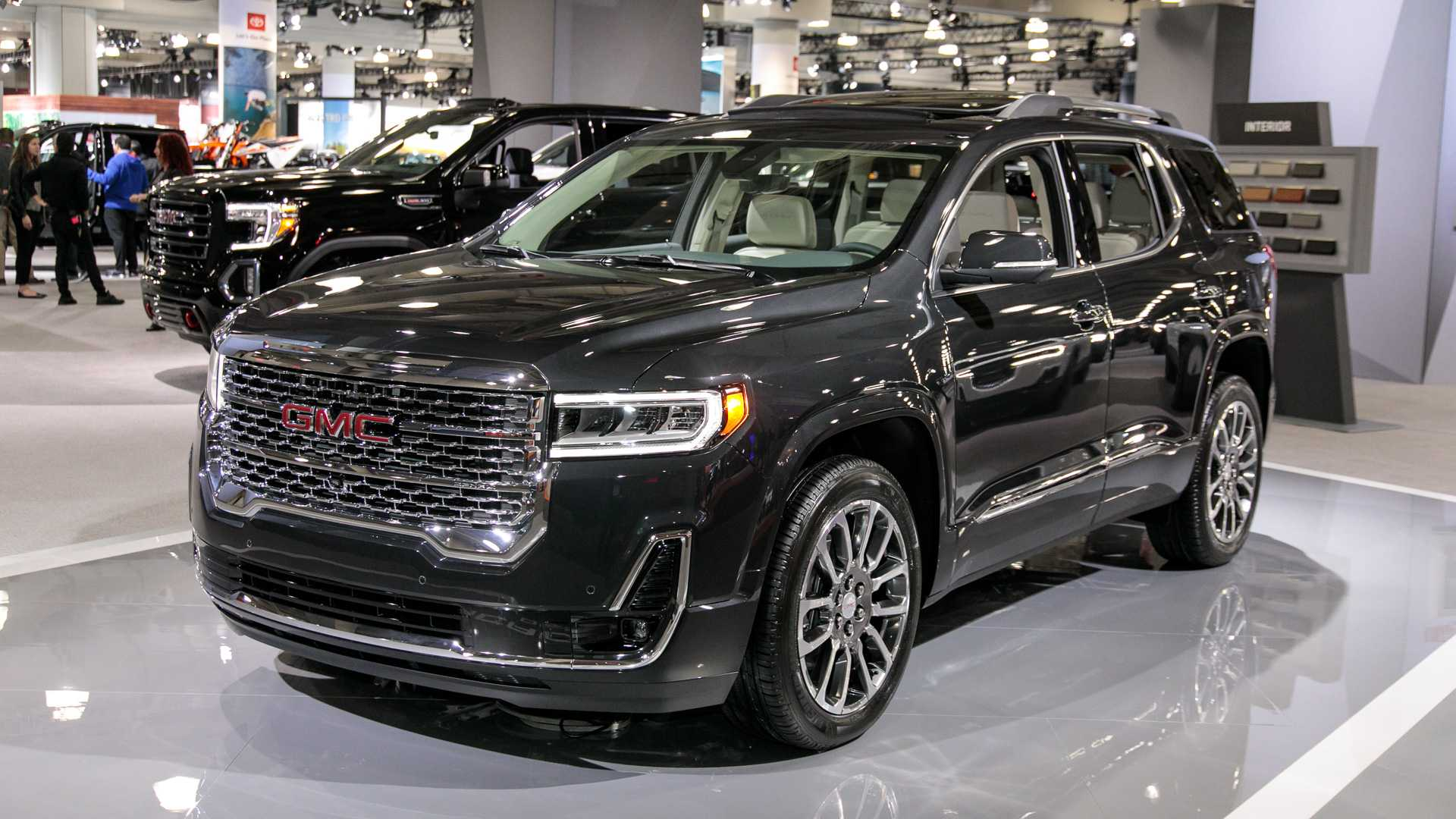 2020-gmc-acadia-live-photos.jpg
