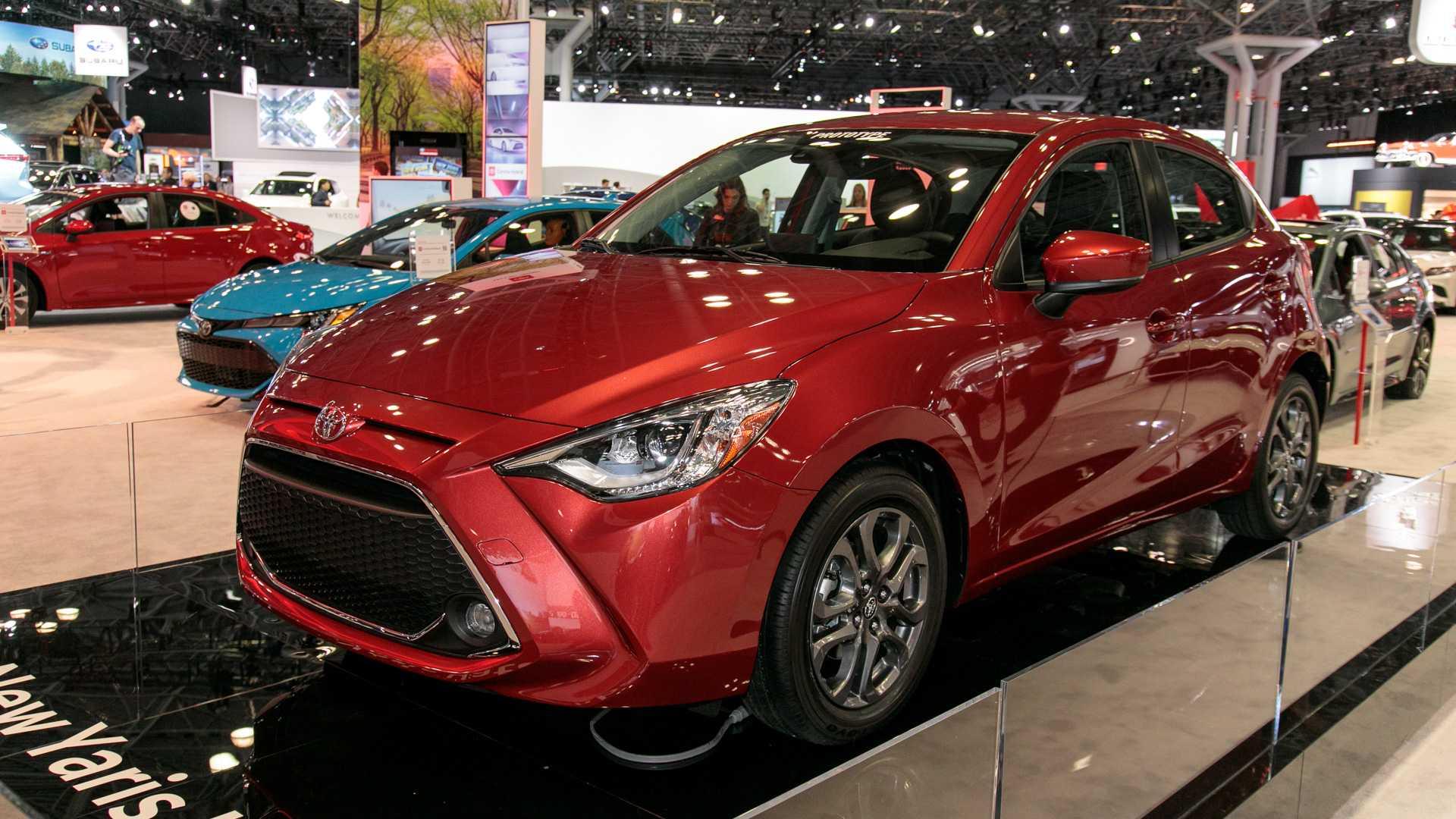 2020-toyota-yaris-hatchback-1.jpg