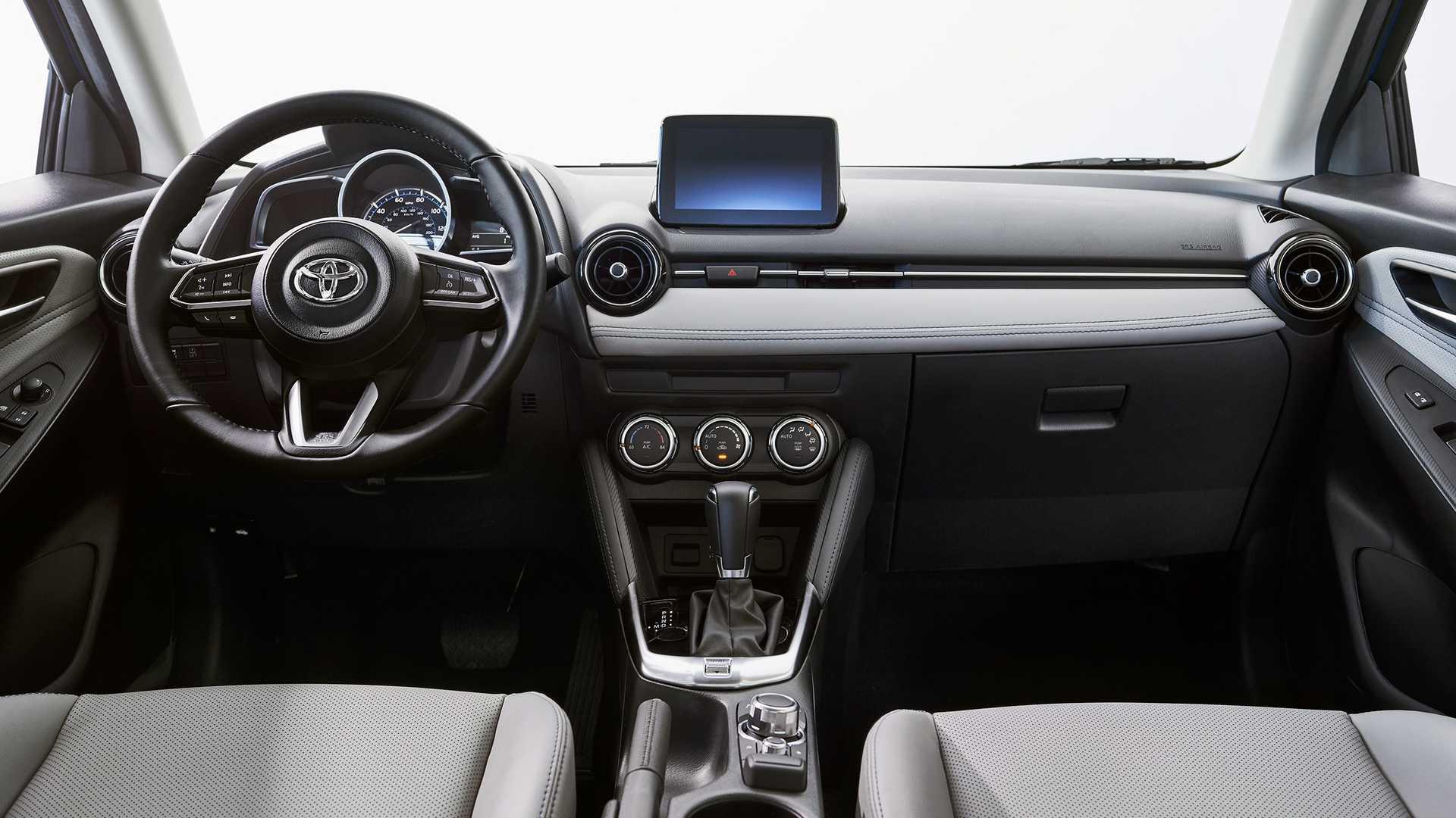 2020-toyota-yaris-hatchback-7.jpg