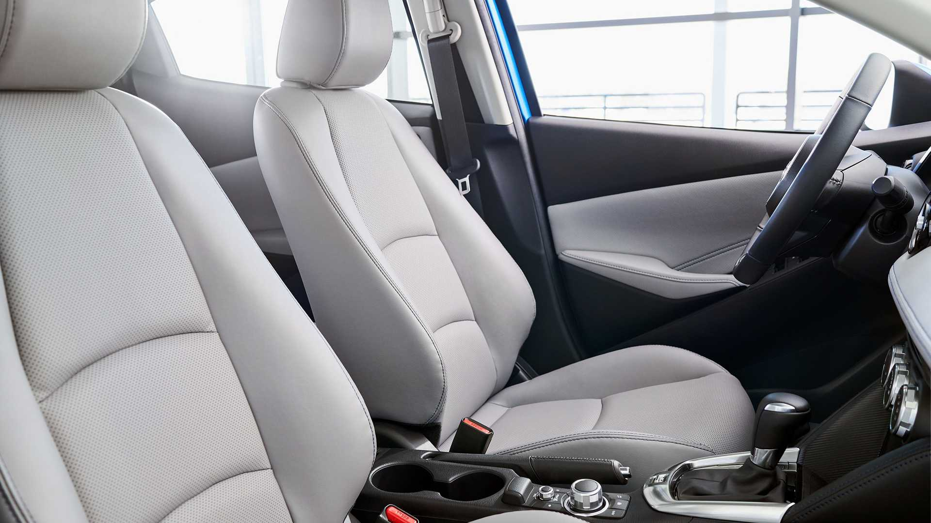 2020-toyota-yaris-hatchback-8.jpg
