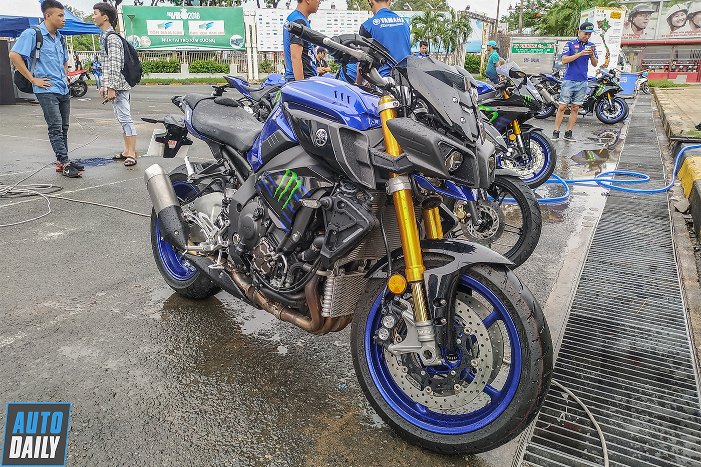 yamaha-monster-energy-8.jpg