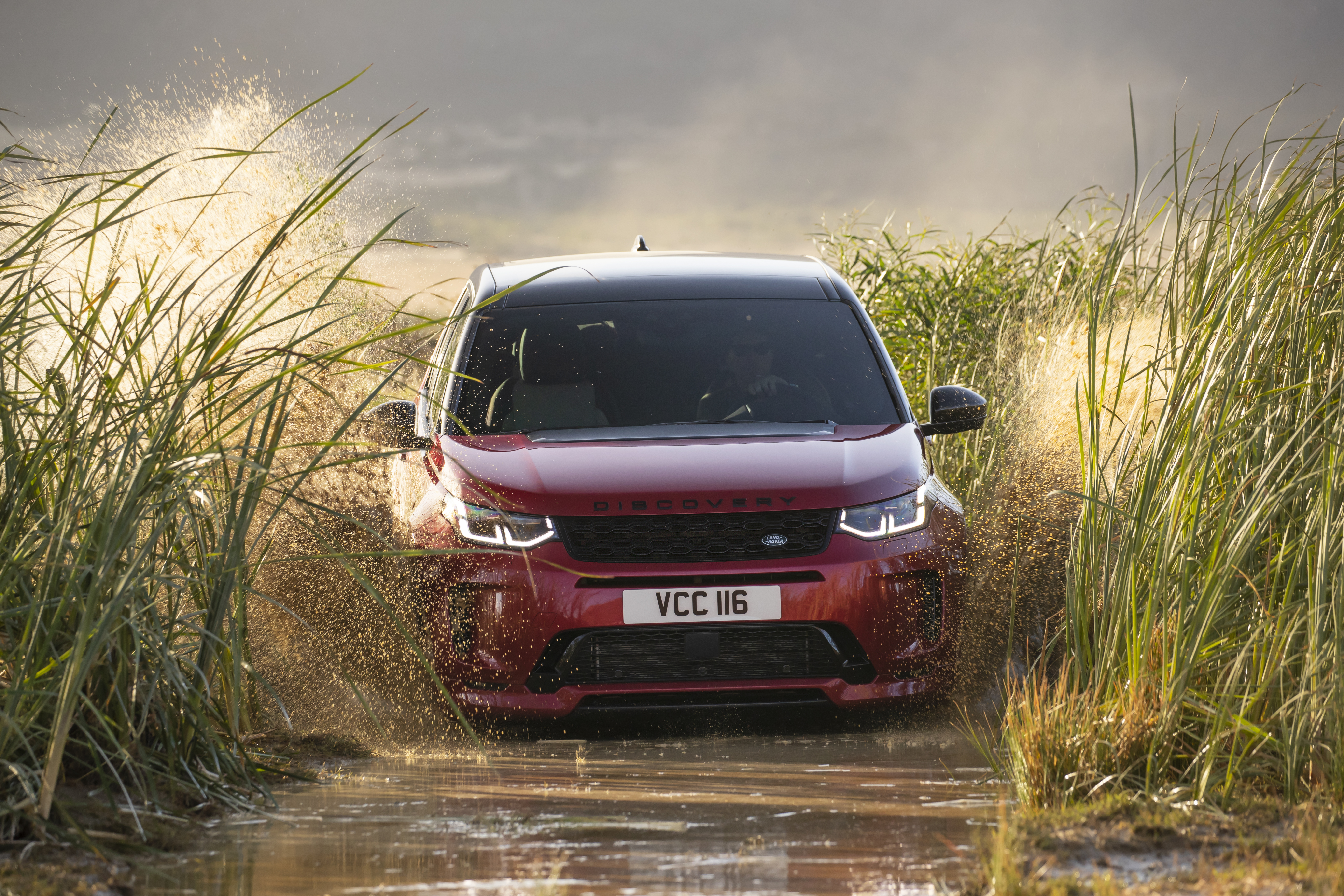 2020-land-rover-discovery-sport-4.jpg