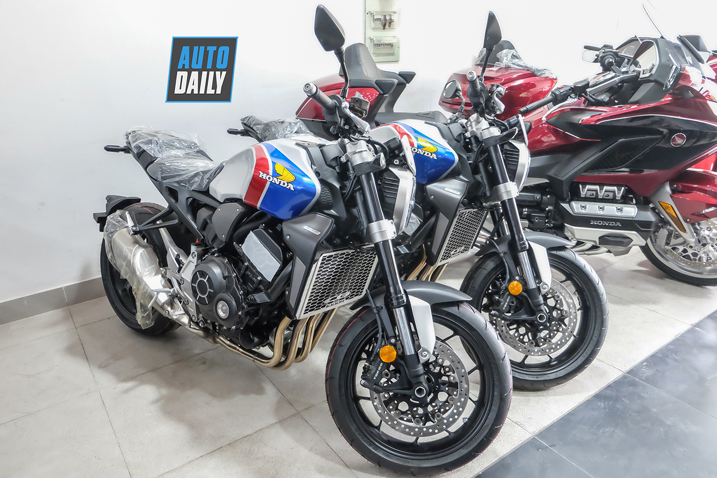 honda-cb1000r-plus-limited-edition-2019-8.jpg