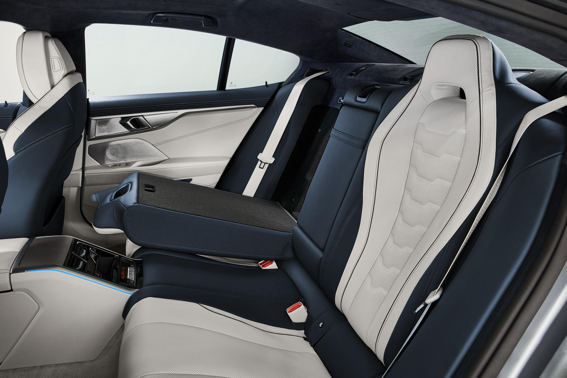 2020-bmw-8-series-gran-coupe-14.jpg