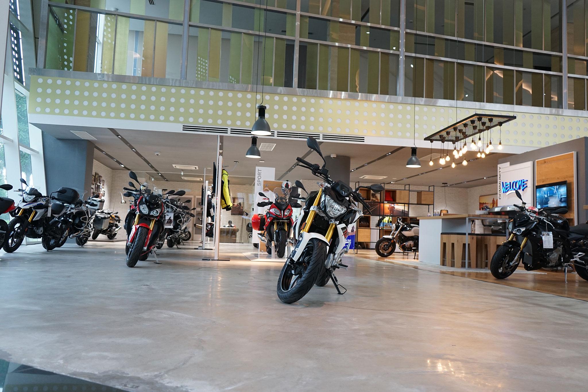 showroom-toan-cau-03.jpg