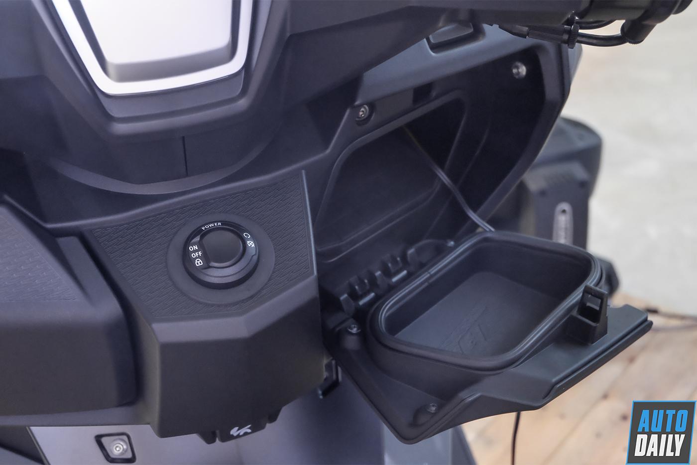 bmw-motorrad-c400gt-33.jpg