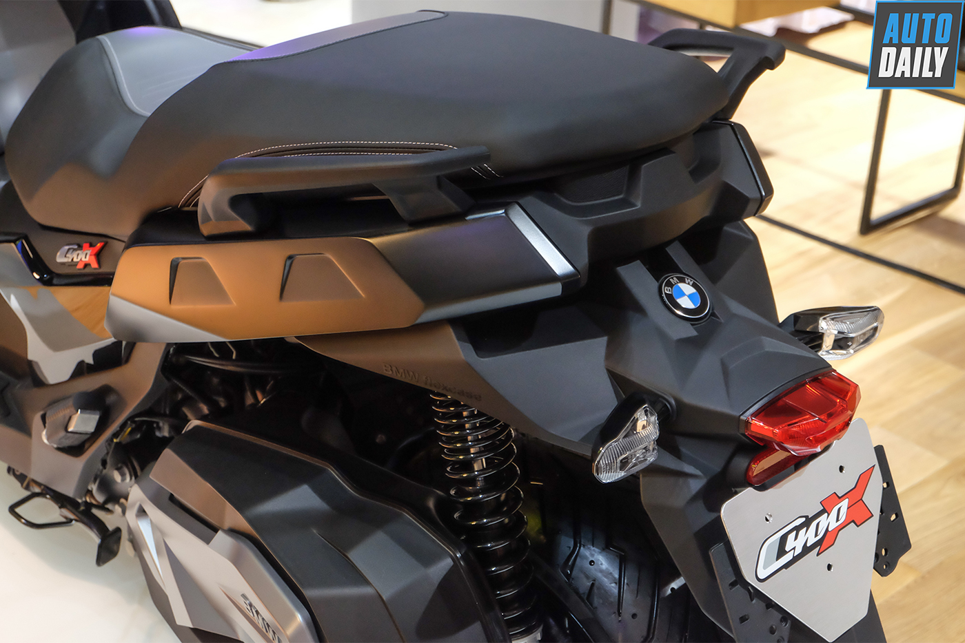 bmw-motorrad-c400x-25.jpg