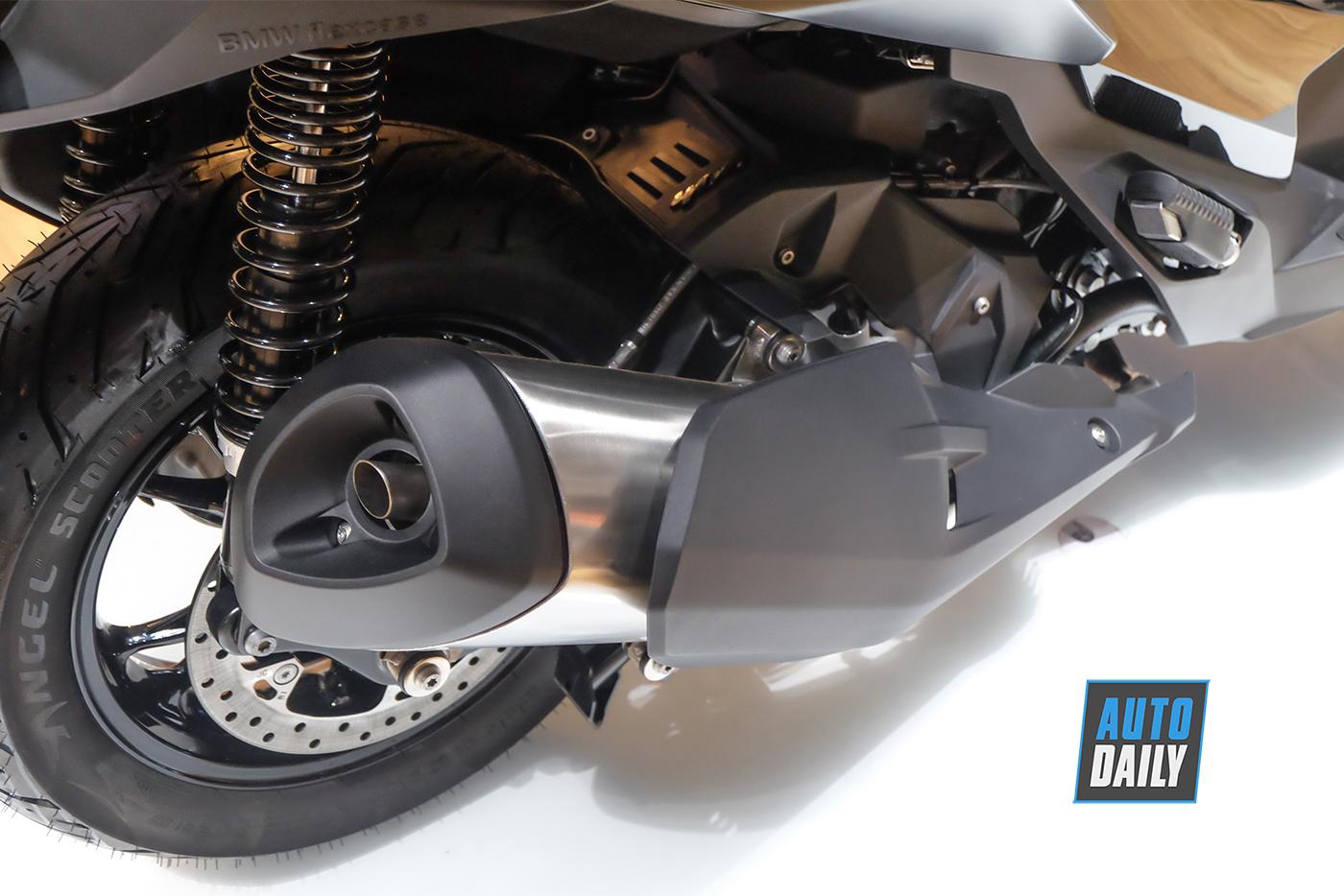 bmw-motorrad-c400x-16.jpg
