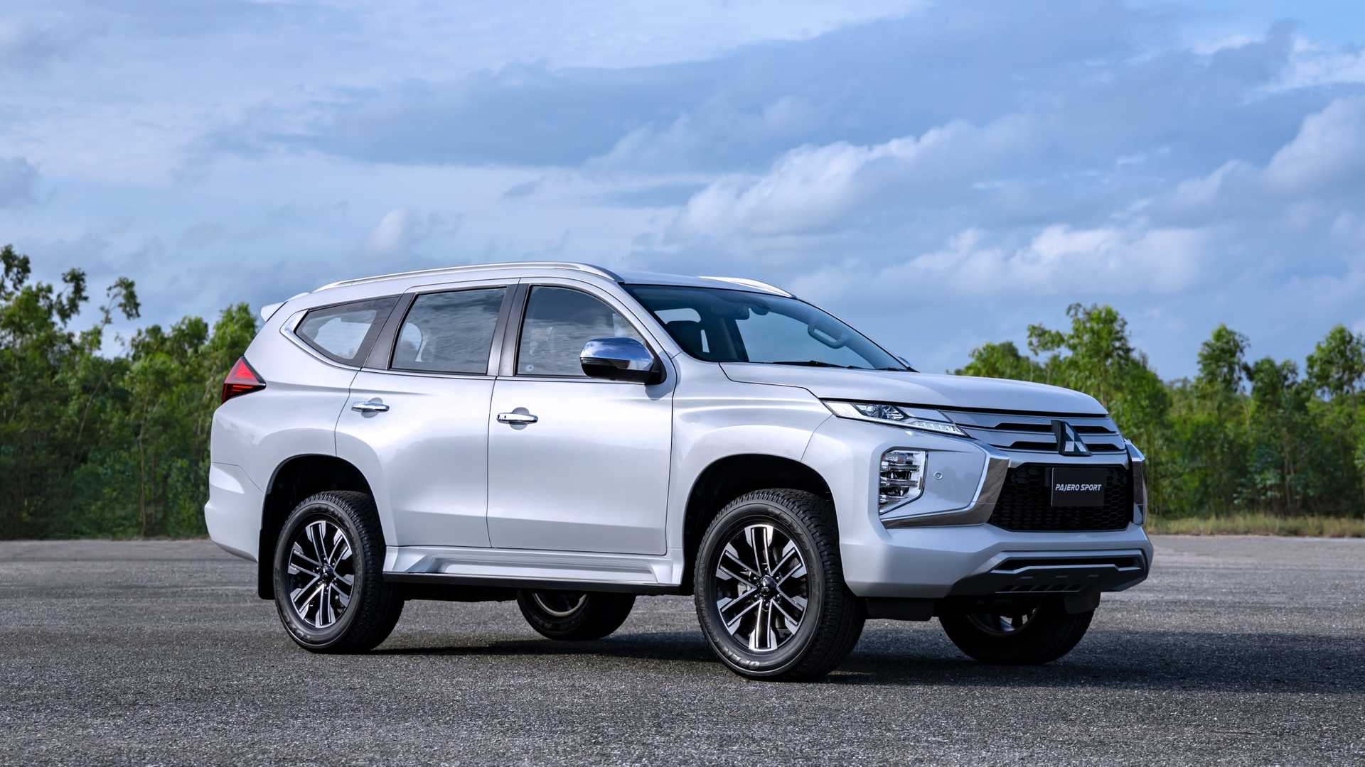 2020-mitsubishi-pajero-sport-facelift-1.jpg
