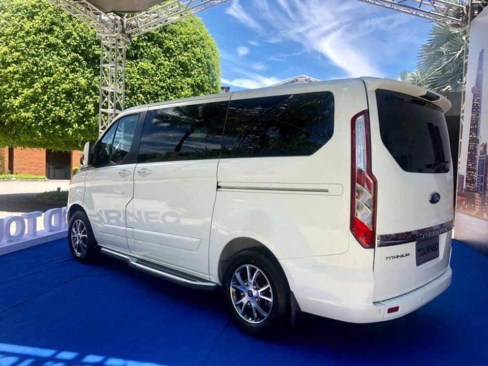 ford-tourneo-5.jpg