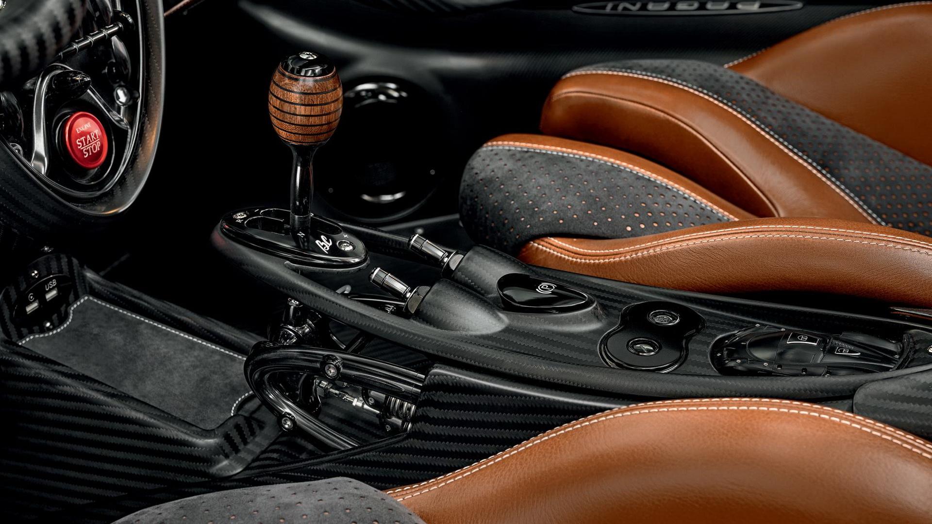 5e50511e-pagani-huayra-roadster-bc-11.jpg
