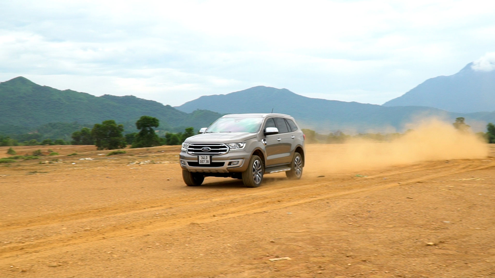 ford-everest-bi-turbo-autodaily-03.jpg