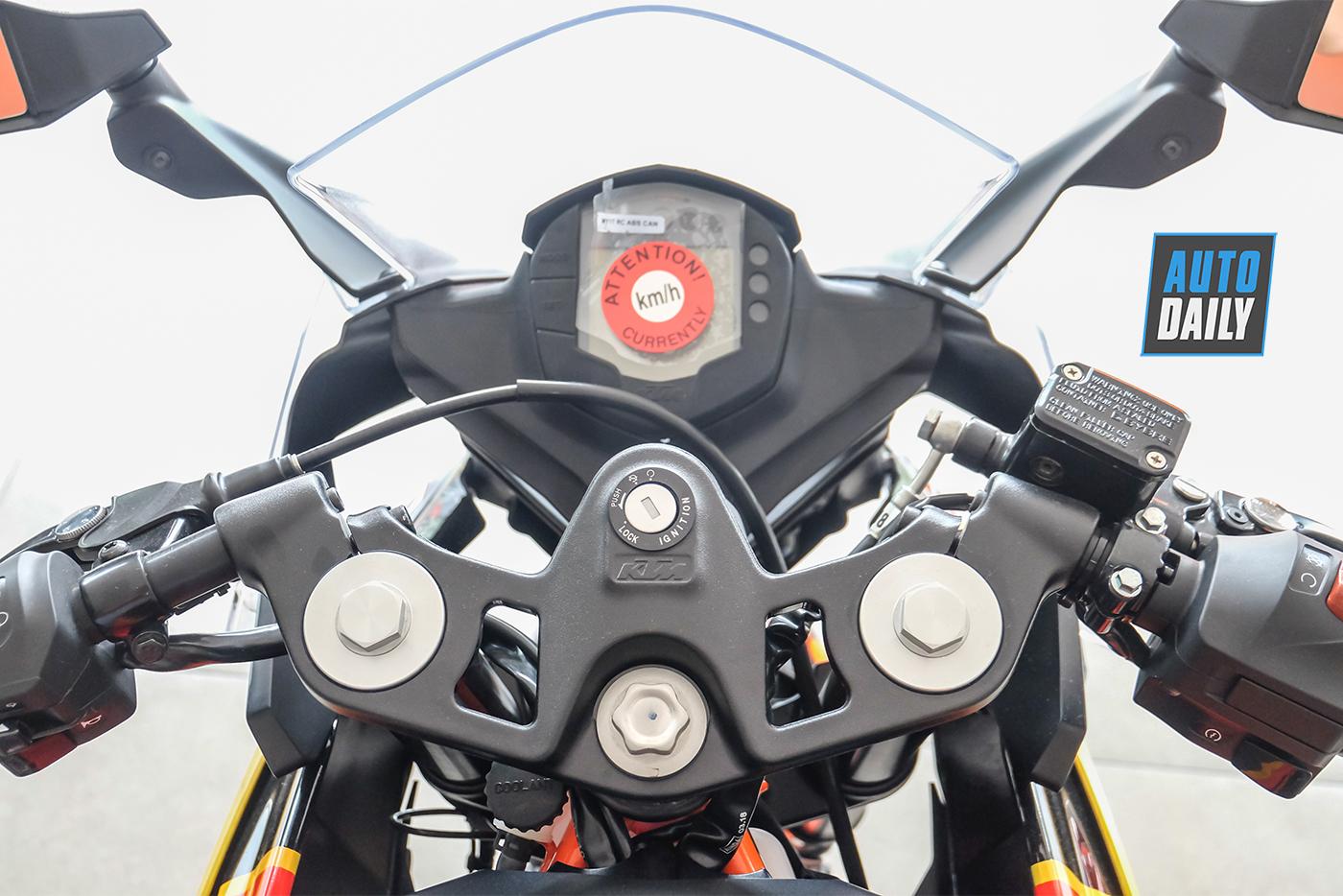ktm-rc-390-motogp-edition-27.jpg