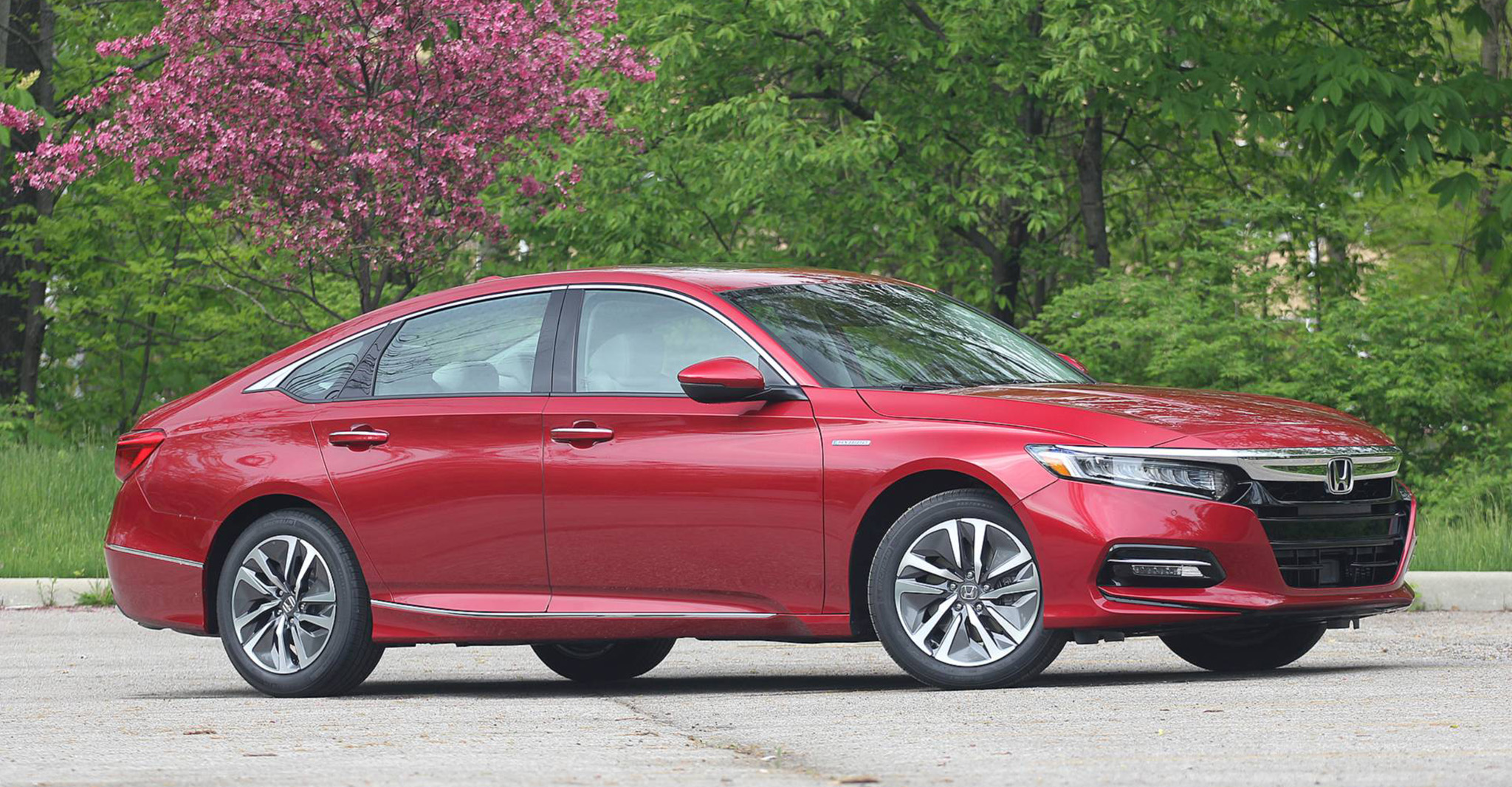 2018-honda-accord-hybrid-review-1.jpg