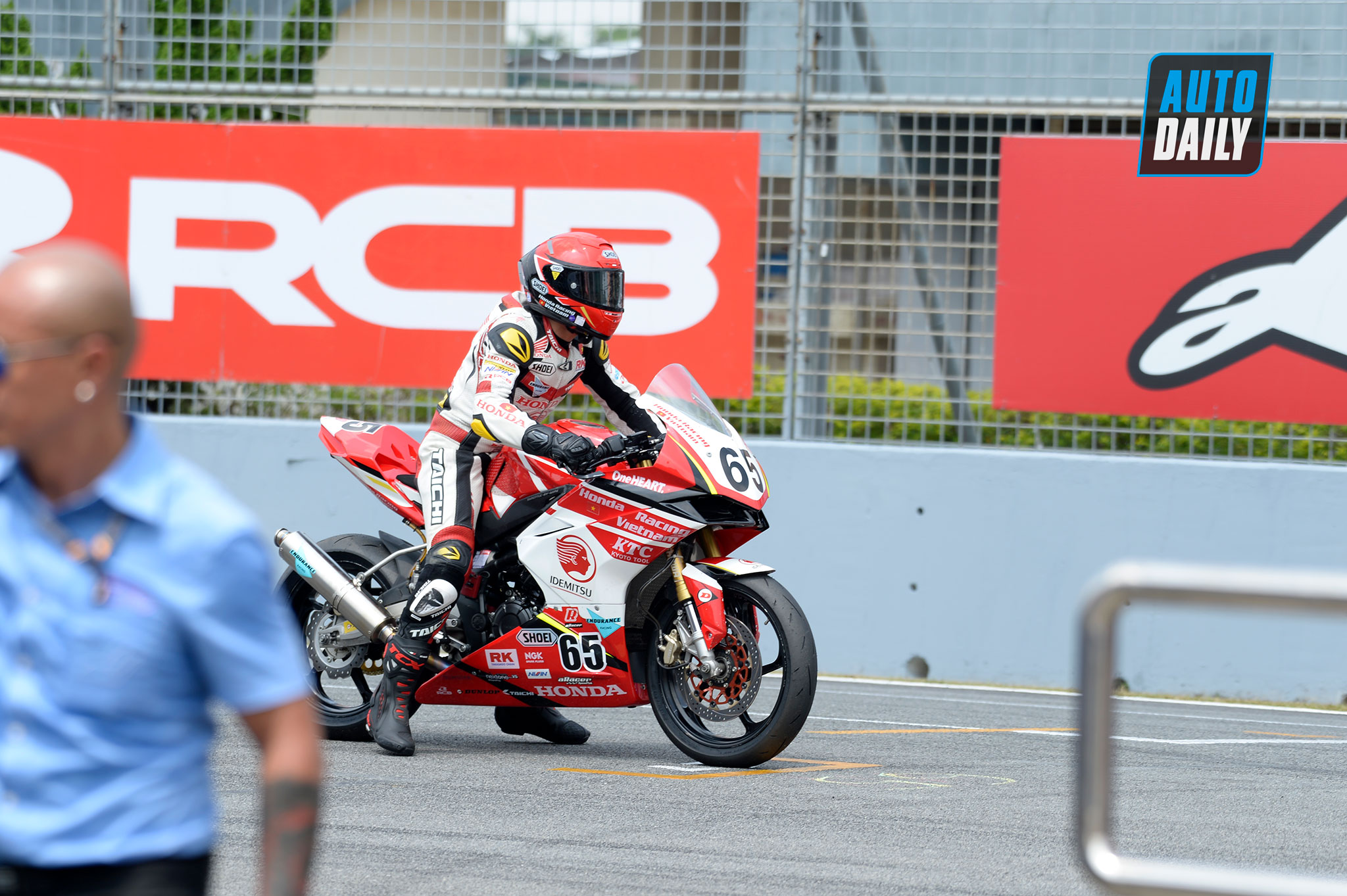 race1-1.jpg