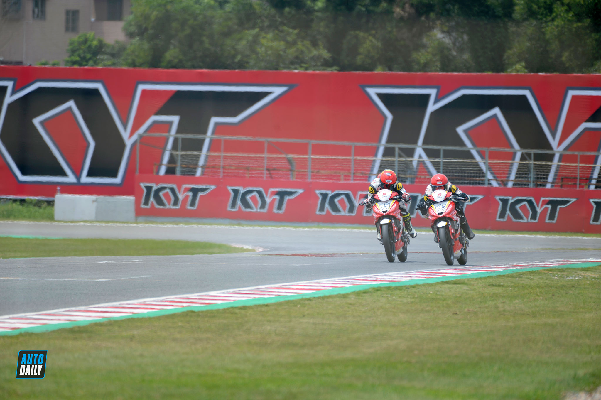 arrc-round5-race1-autodaily-09.jpg
