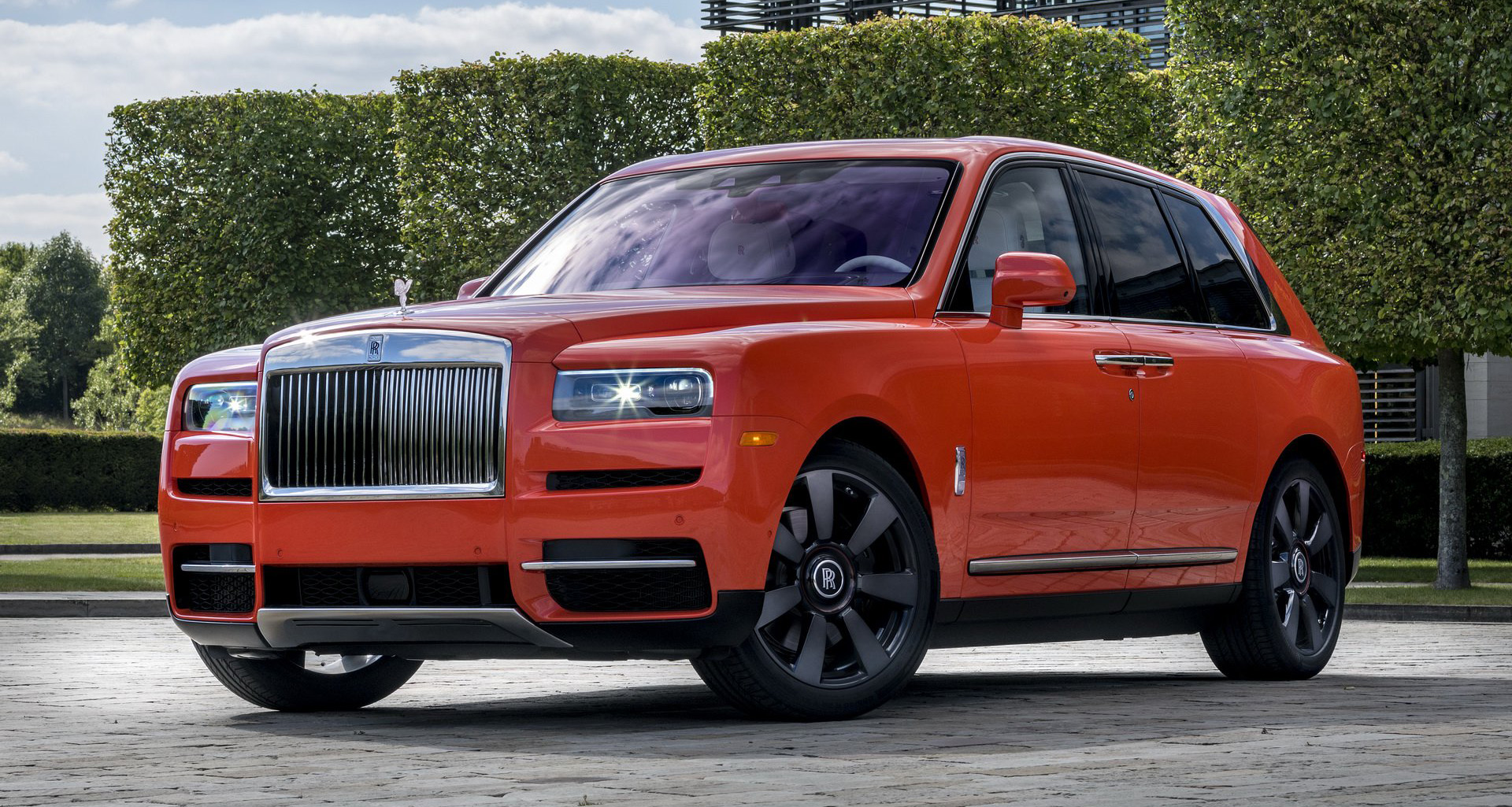 a7439cd8-rolls-royce-cullinan-fux-orange-15.jpg