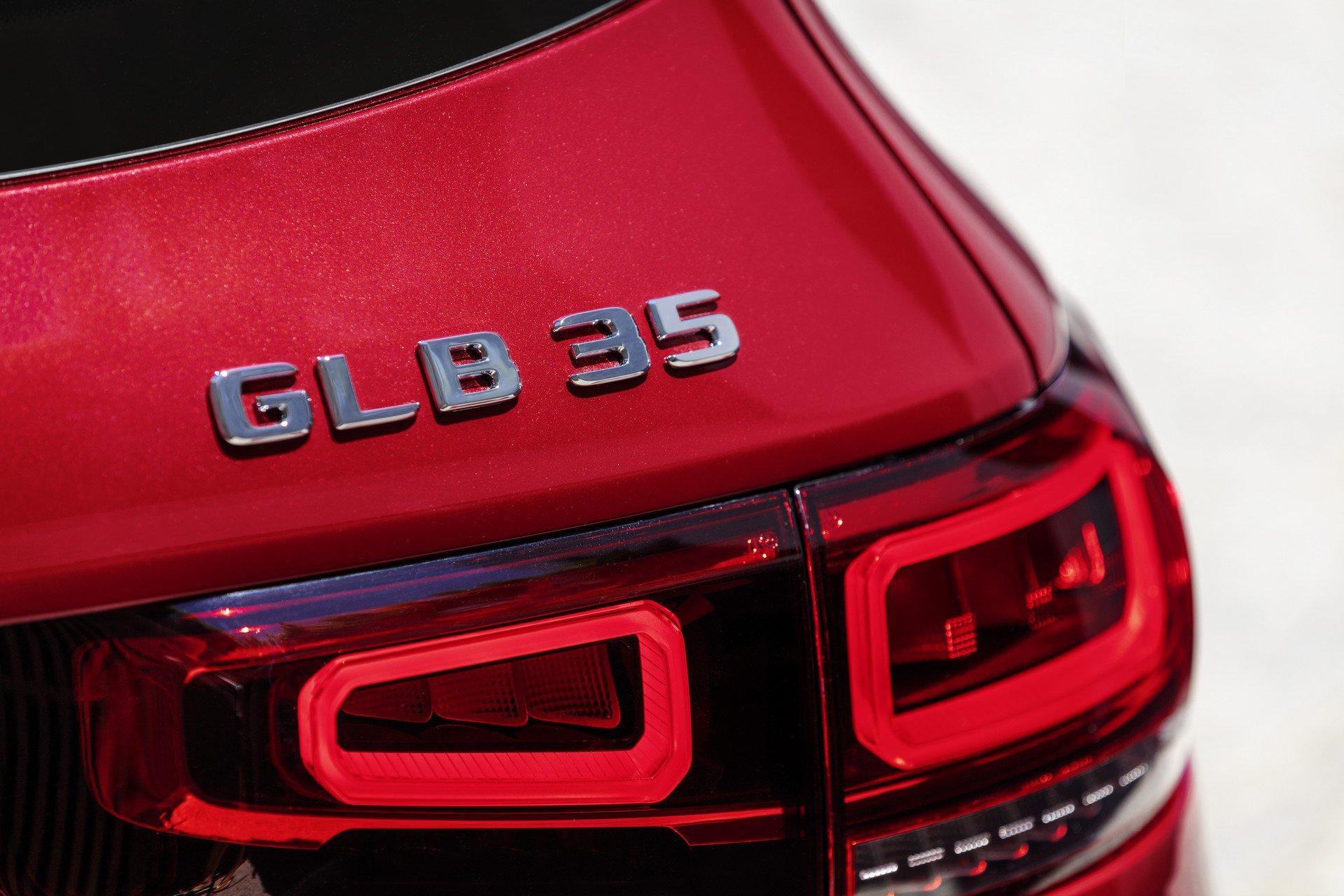 glb-35-amg-03.jpg