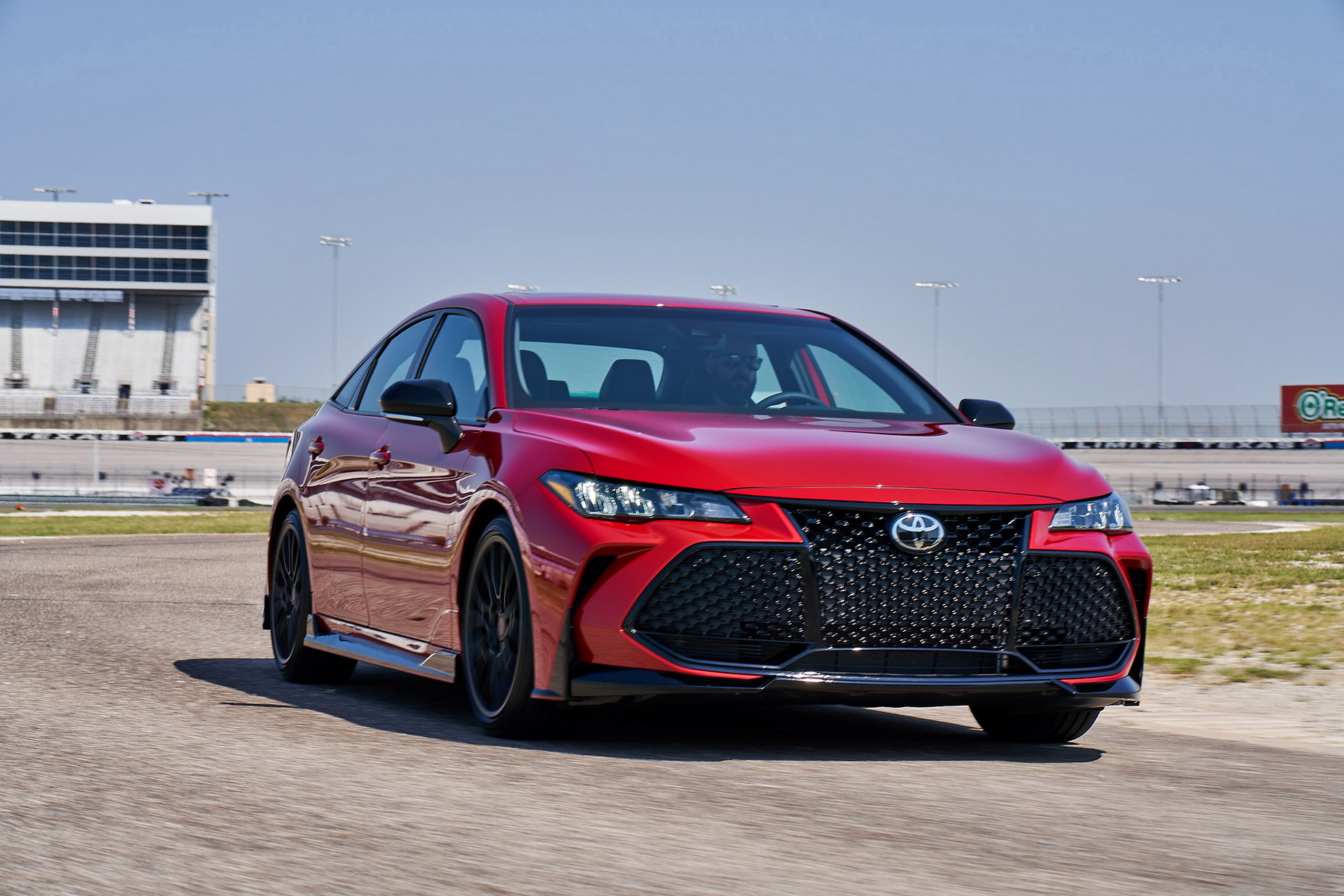 0aac40fd-toyota-camry-and-avalon-trd-13.jpg