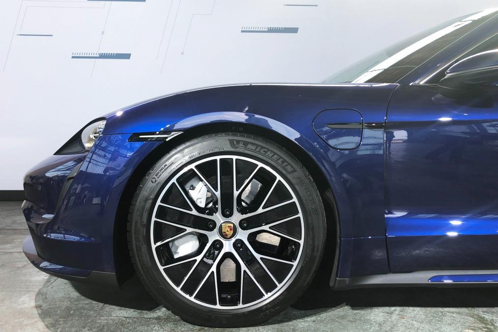 taycan-turbo-4.jpg