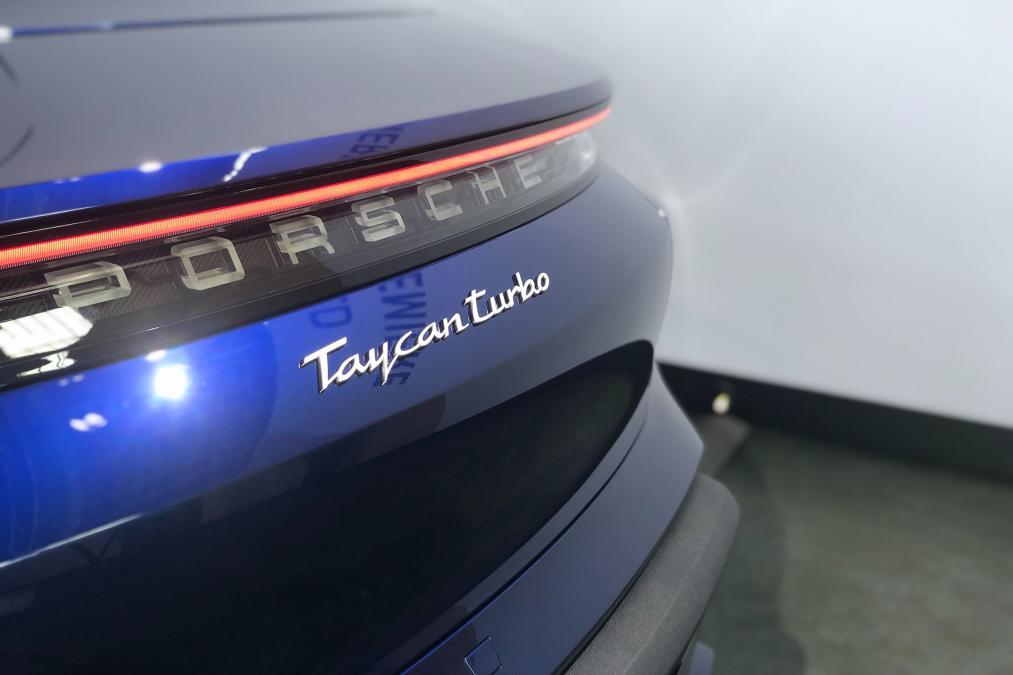 taycan-turbo-5.jpg