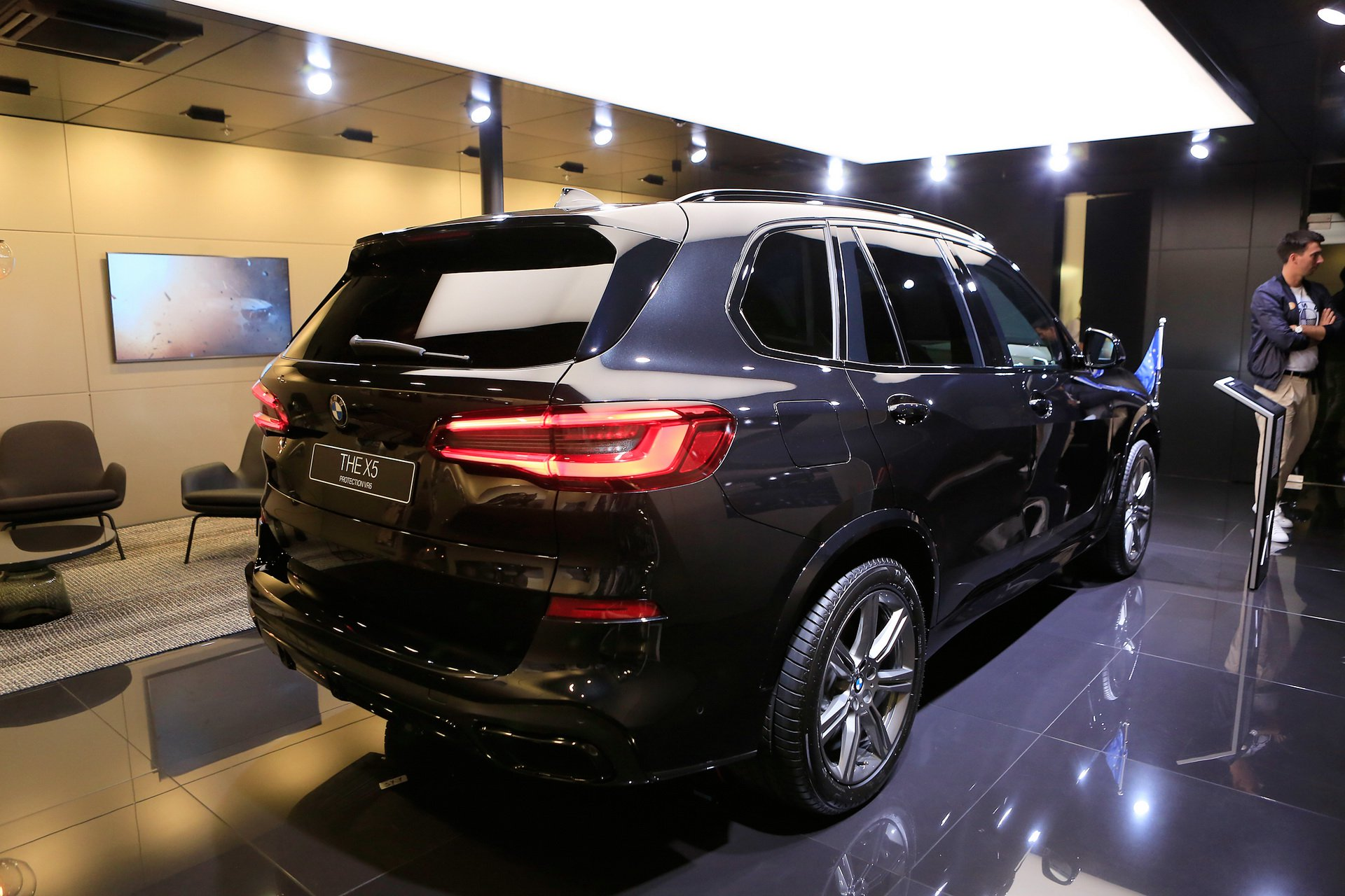 26381d66-bmw-x5-protection-iaa-livepics-5.jpg