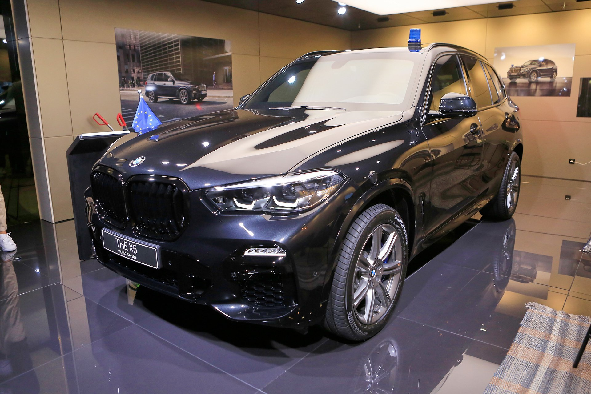 5253a19f-bmw-x5-protection-iaa-livepics-9.jpg