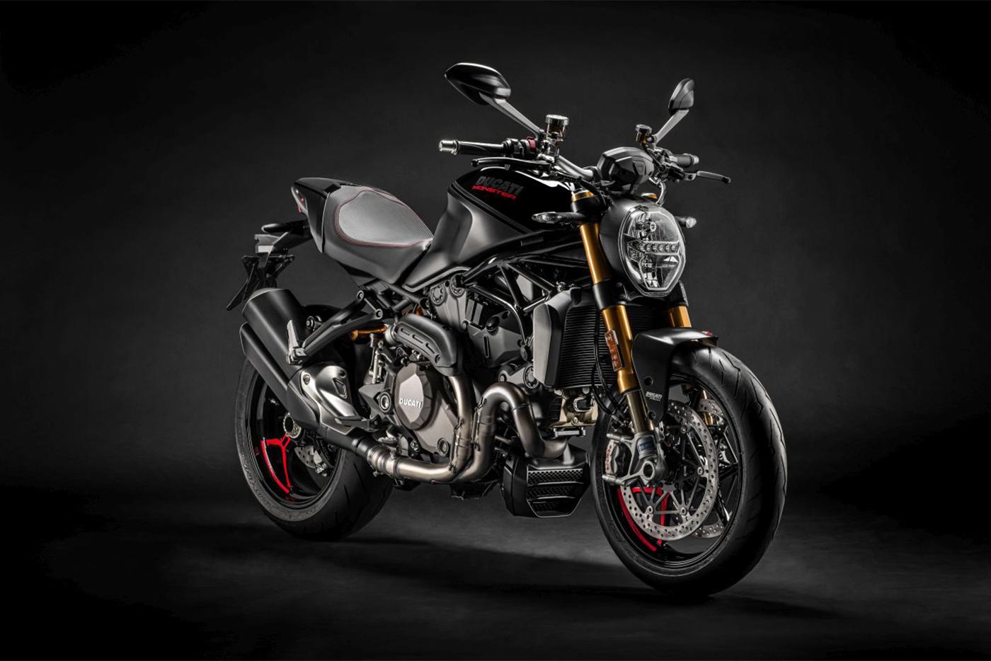 ducati-monster-1200s-black-on-black-5.jpg