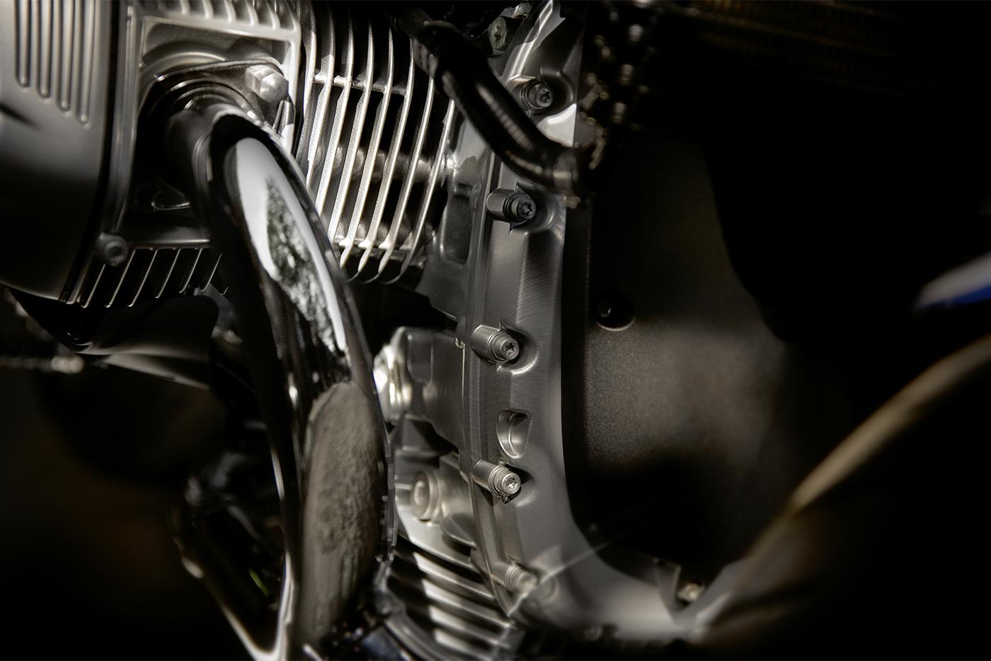 2019-bmw-motorrad-r-ninet-5-6.jpg