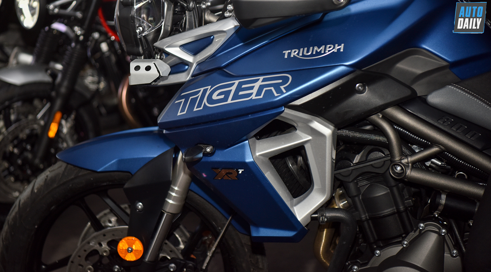 triumph-tiger-800-2019-1.jpg