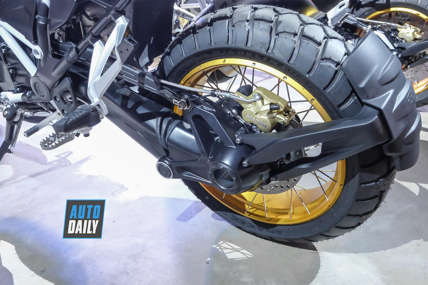 bmw-motorrad-r-1250-gs-2019-17.jpg