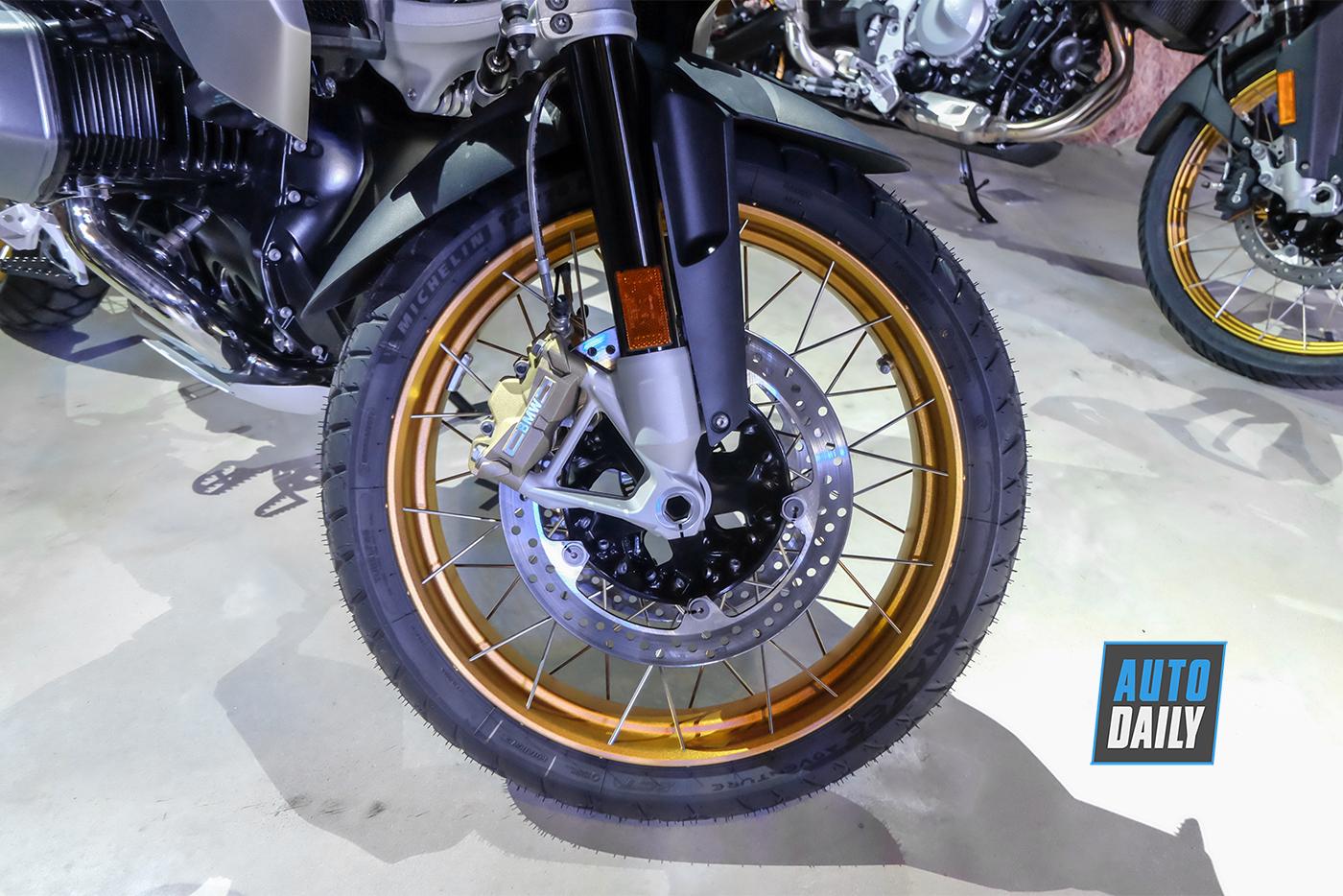 bmw-motorrad-r-1250-gs-2019-7.jpg
