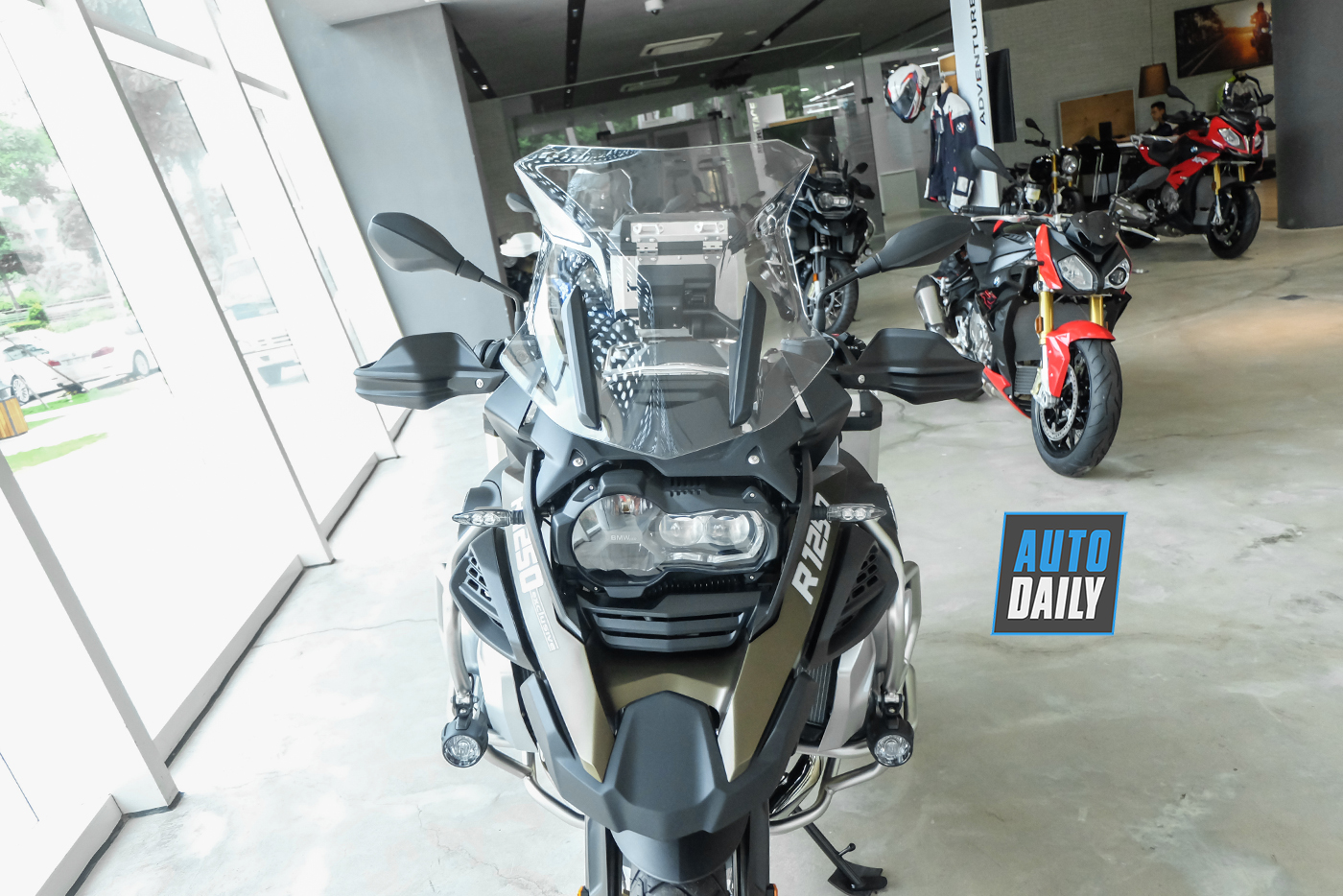 bmw-r1250-gsa-exclusive-2019-13.jpg