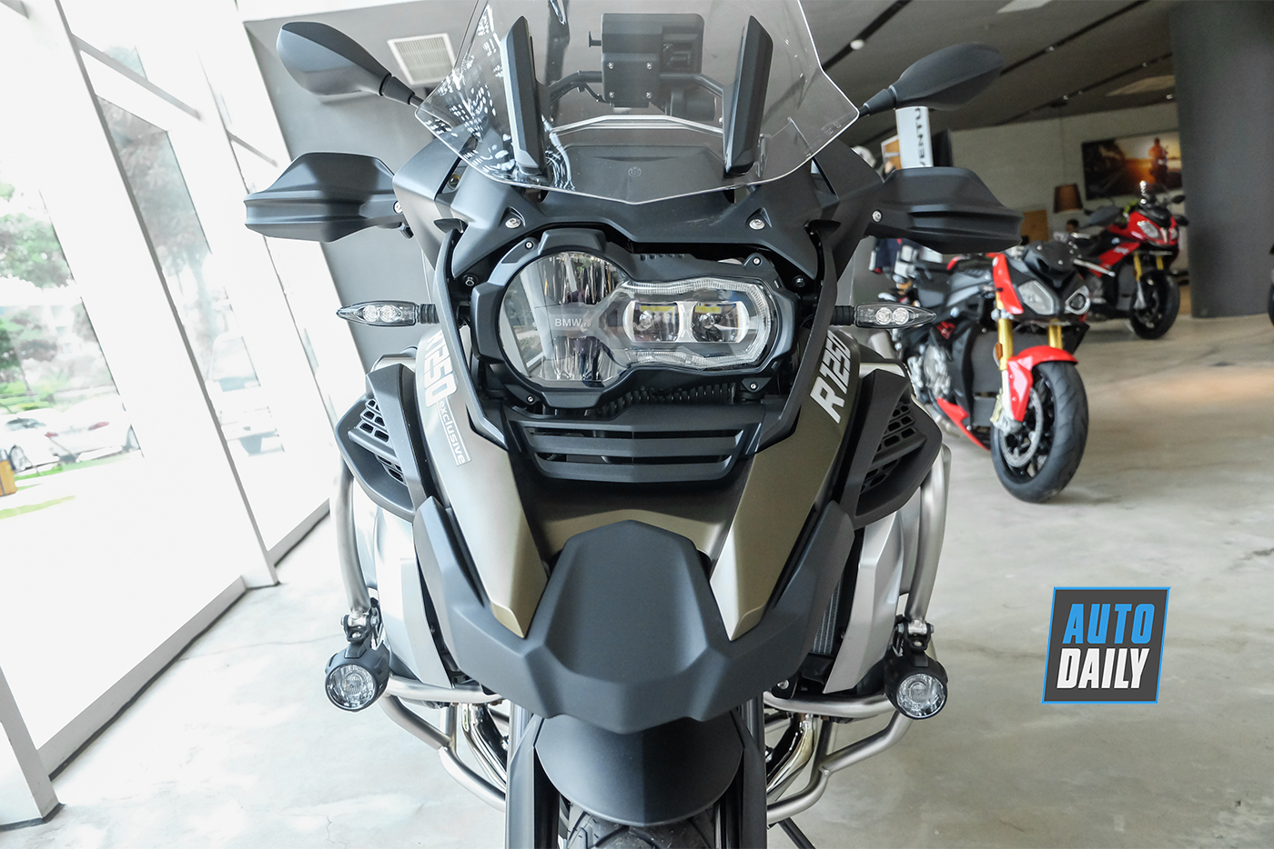 bmw-r1250-gsa-exclusive-2019-16.jpg