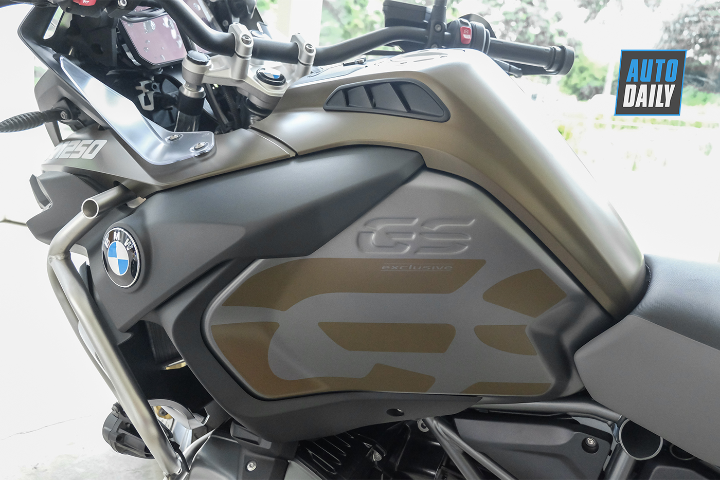 bmw-r1250-gsa-exclusive-2019-21.jpg