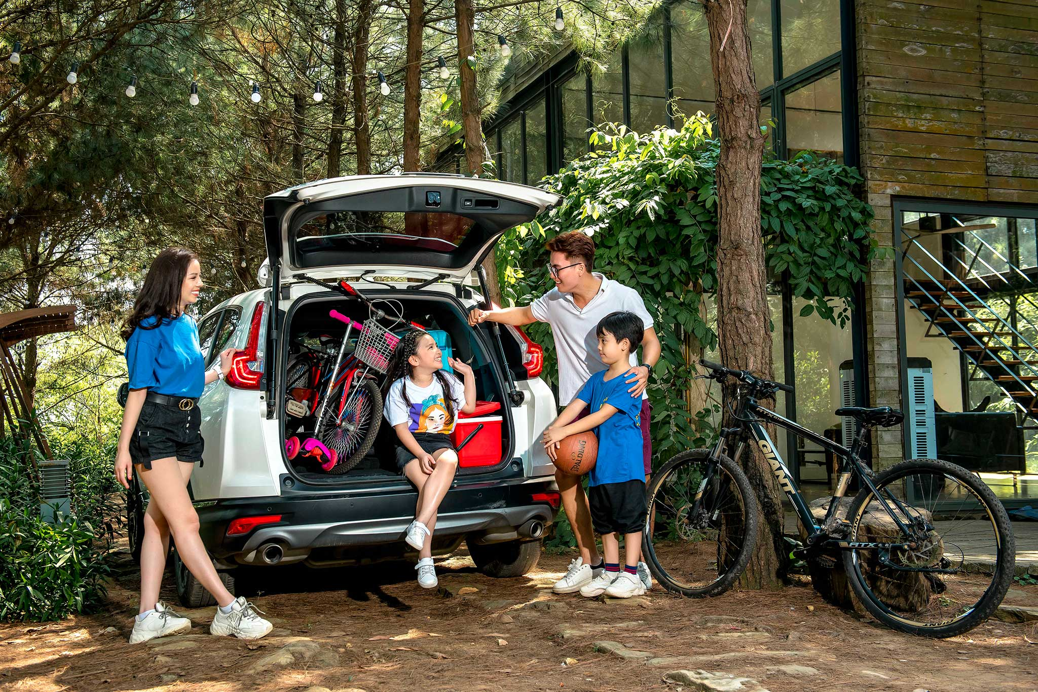 honda-cr-v-2019-family-4.jpg