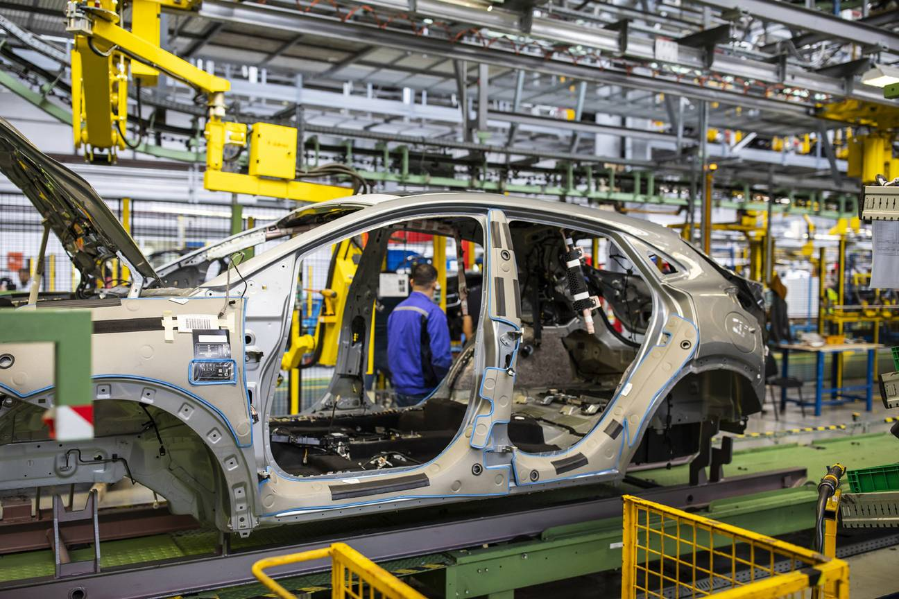 2020-ford-puma-production-3.jpg