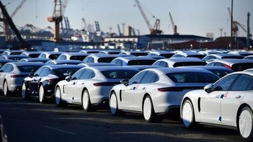 Xe Indonesia 320 triệu, ô tô Thái 450 triệu, chờ