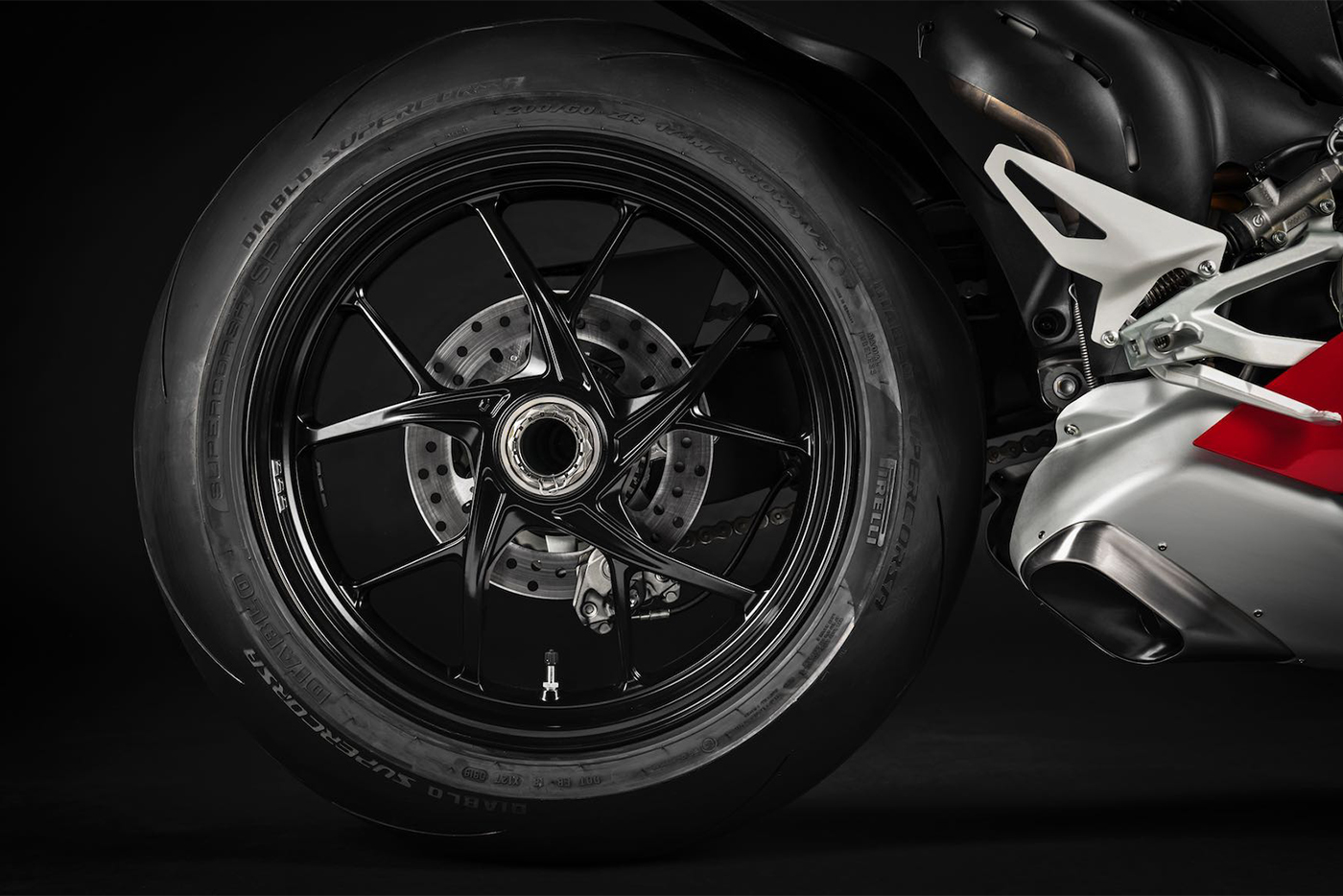 2020-ducati-panigale-v4-first-look-fast-facts-5.jpg