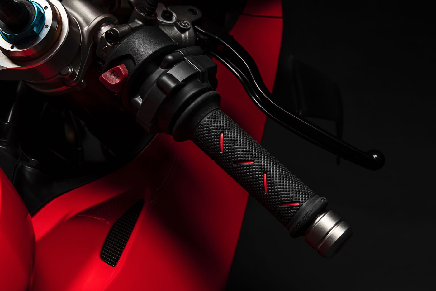 2020-ducati-panigale-v4-first-look-fast-facts-8.jpg