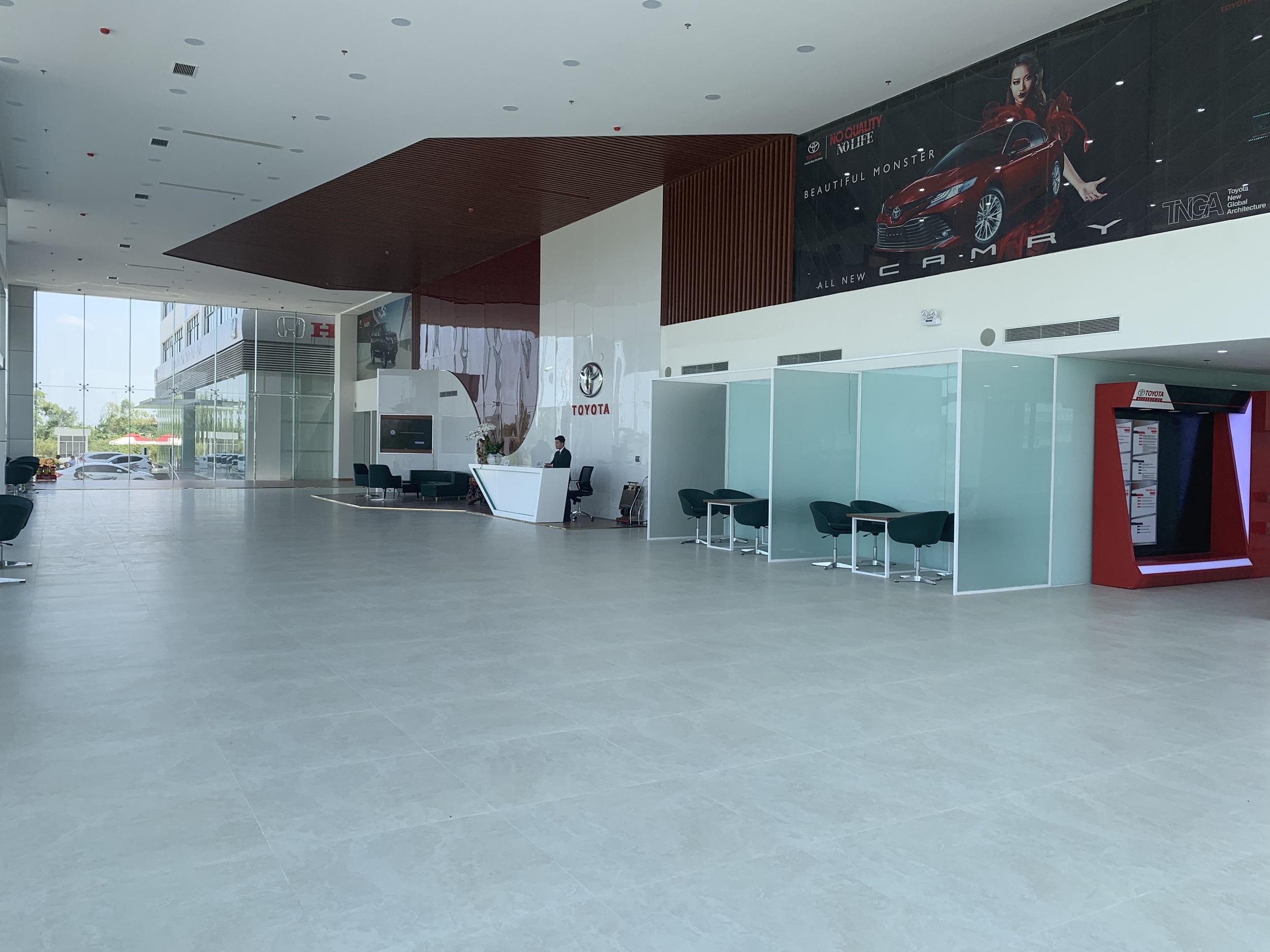 khu-trung-bay-showroom.jpg