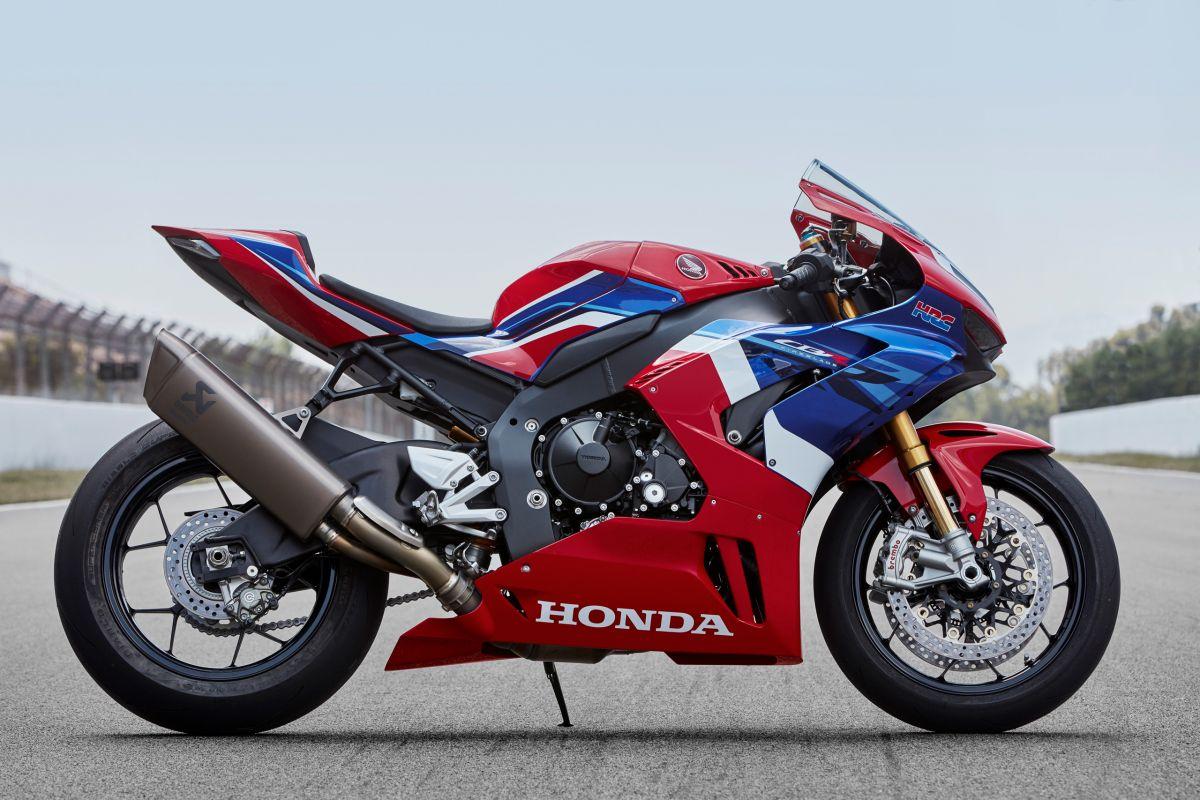 2020-honda-cbr1000rr-r-fireblade-18-1200x800.jpg