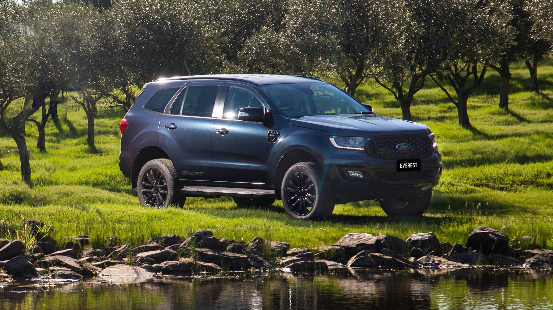 2020-ford-everest-sport-australia-spec-1.jpg