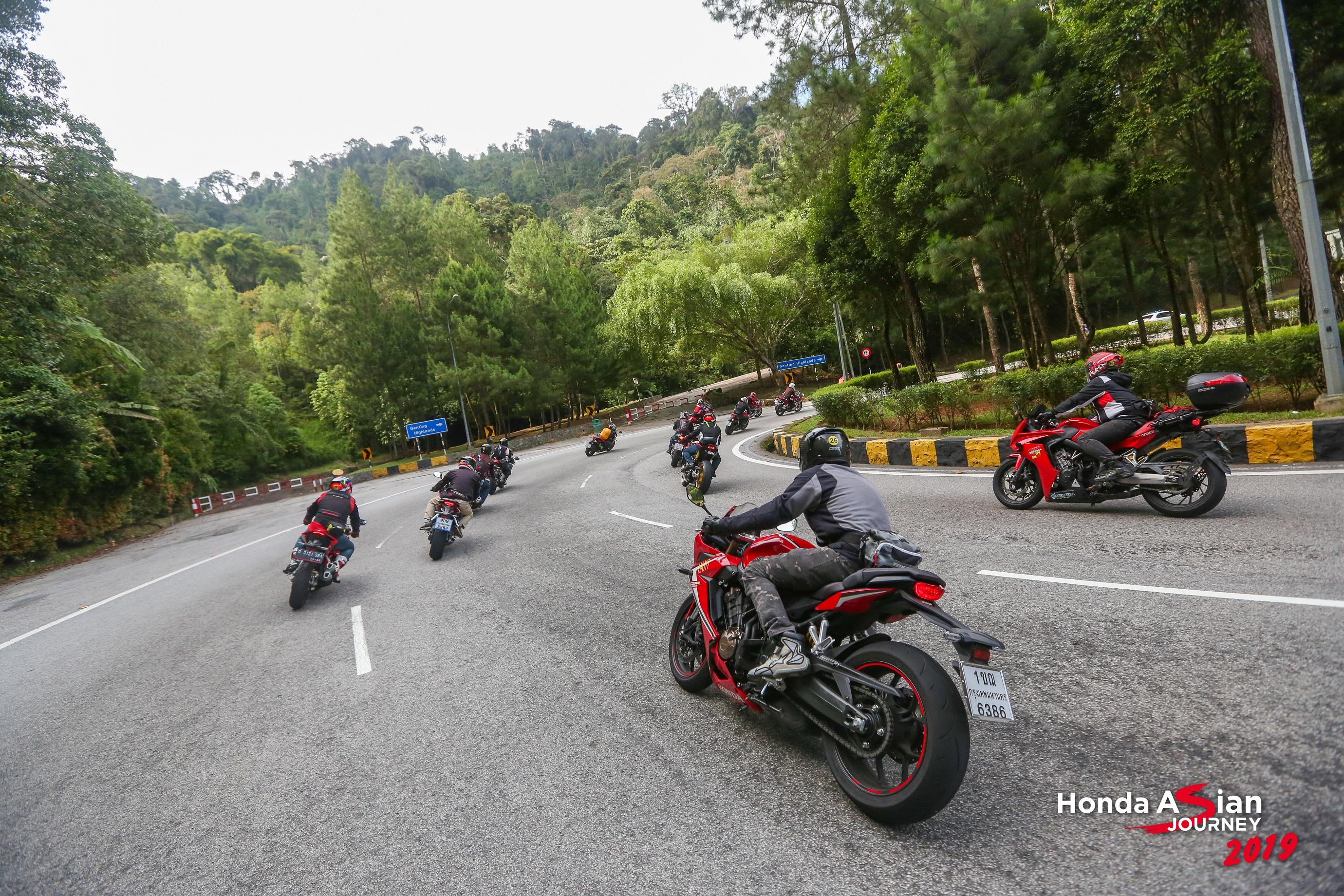 haj19-thuc-su-la-nhung-trai-nghiem-that-chat-voi-dong-xe-sportbike-honda-1.jpg